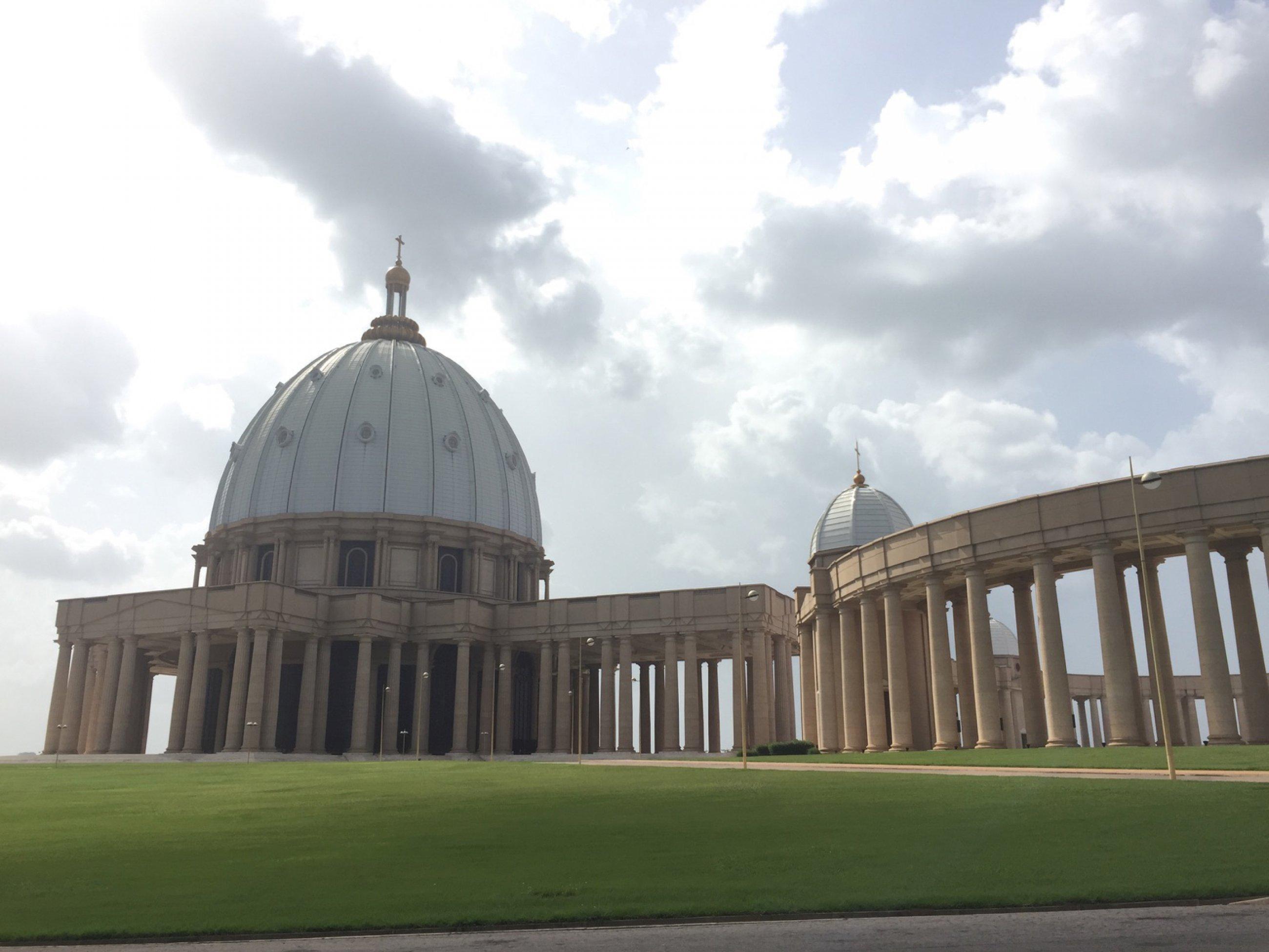 https://bubo.sk/uploads/galleries/7294/najv-kostol-sveta-v-hl-meste-pobrezia-slonoviny.jpg