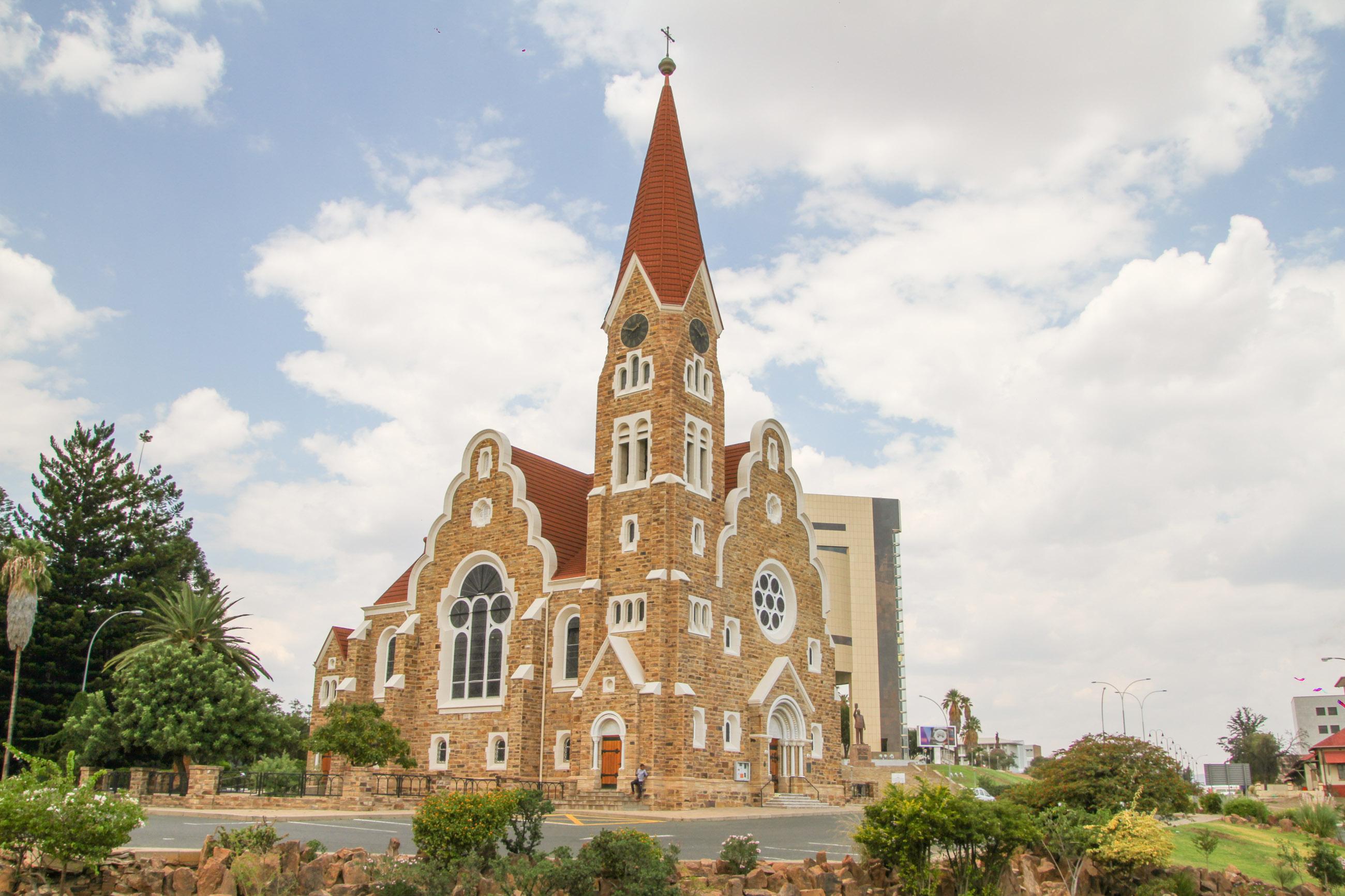 https://bubo.sk/uploads/galleries/7303/foto-3---luteransky-kostol-christukirche-windhoek.jpg