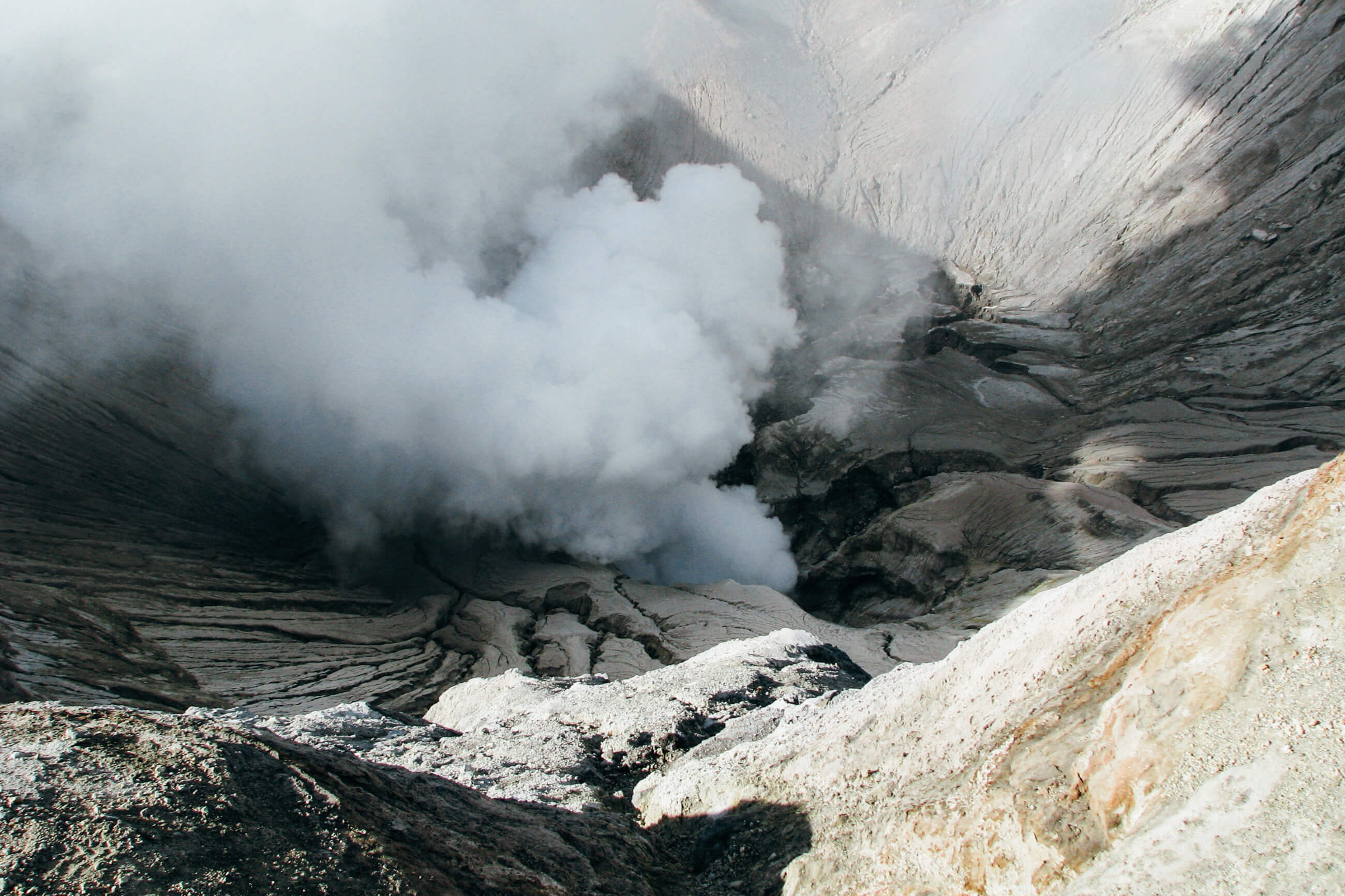 https://bubo.sk/uploads/galleries/7304/jozefharvanek_indonezia_java_297-pohlad-do-kratera-sopky-bromo-22.jpg