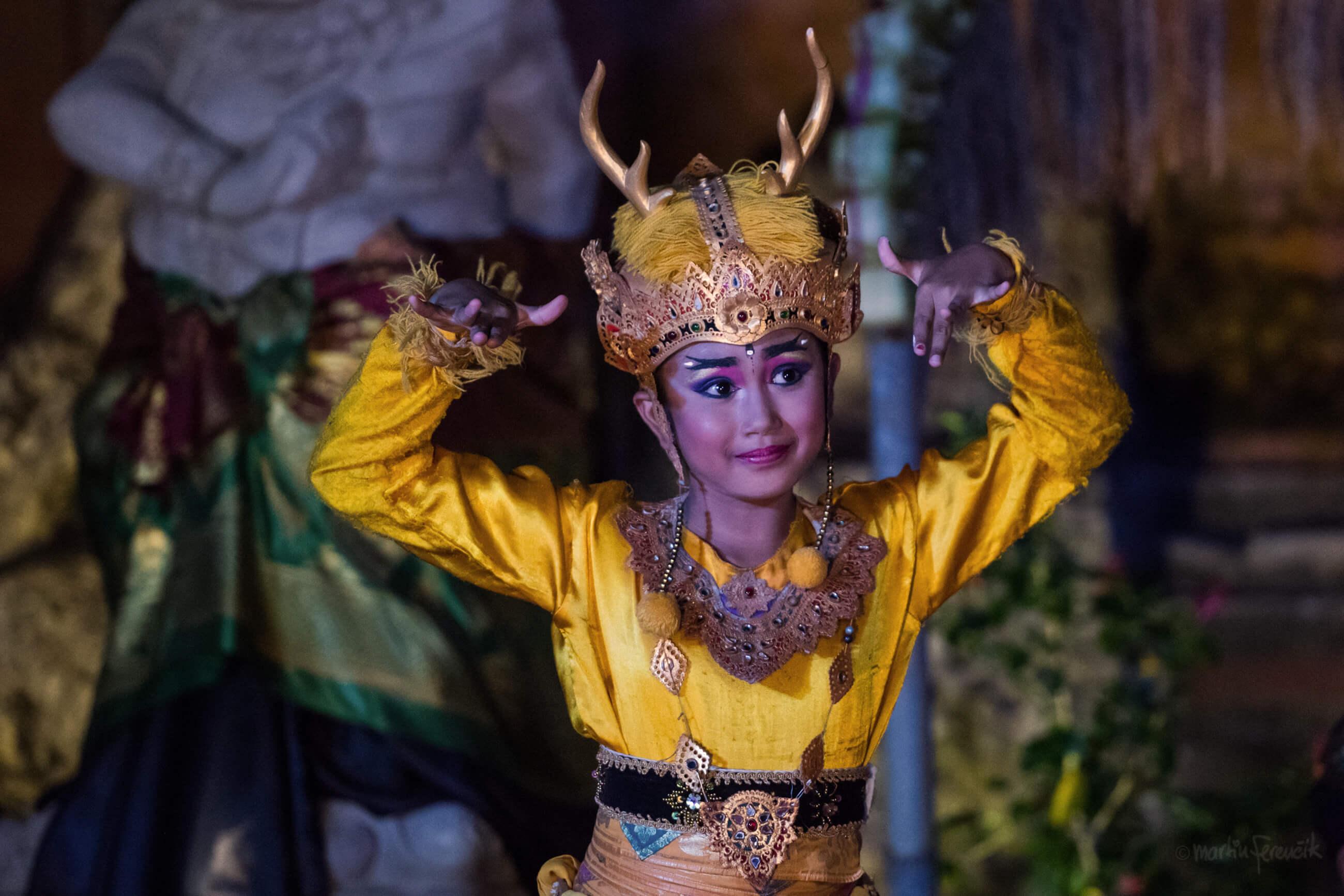 https://bubo.sk/uploads/galleries/7304/martinferencik_indonezia_bali_tanecnica.jpg