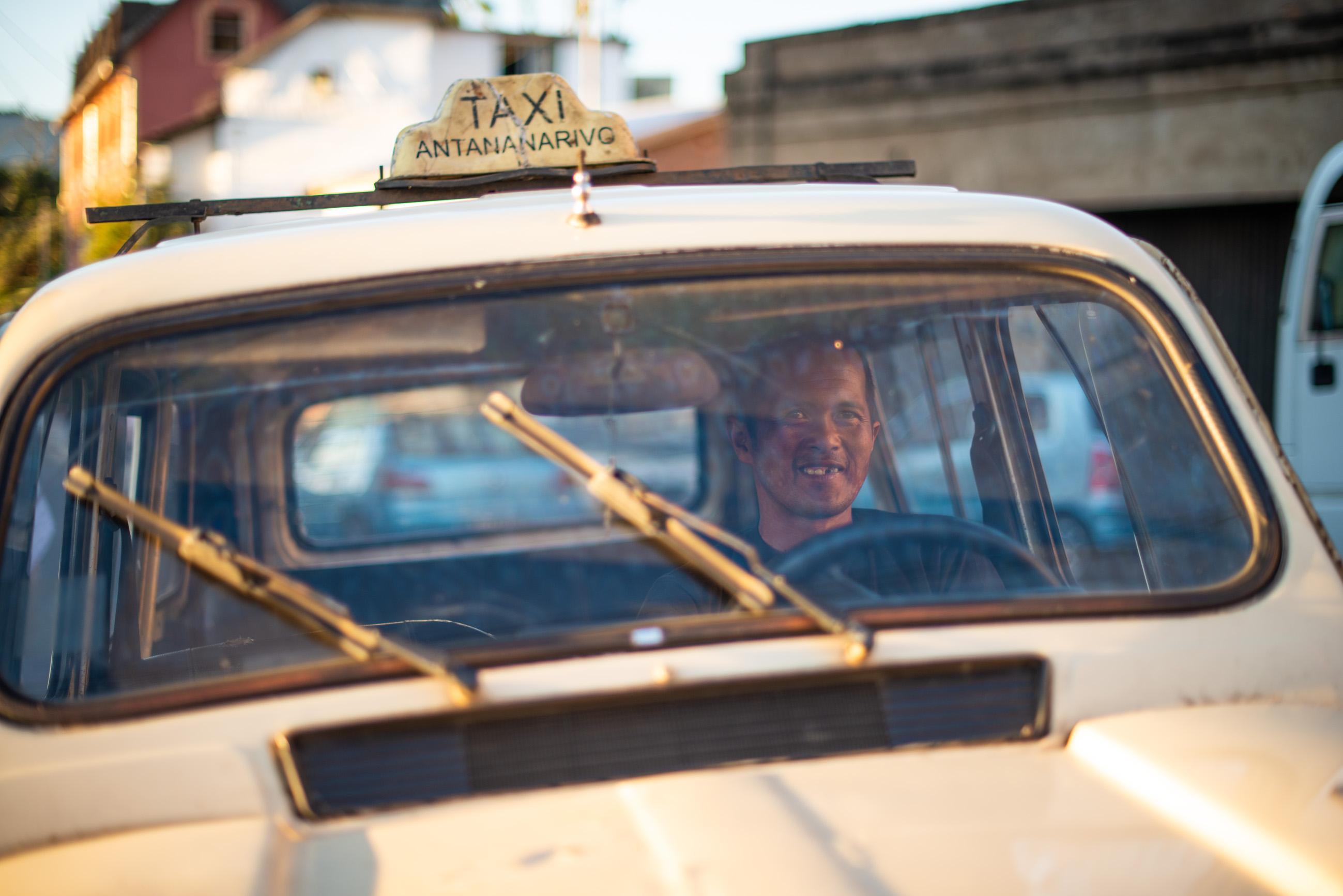 https://bubo.sk/uploads/galleries/7310/roberttaraba_madagaskar_antananarivo2-1.jpg