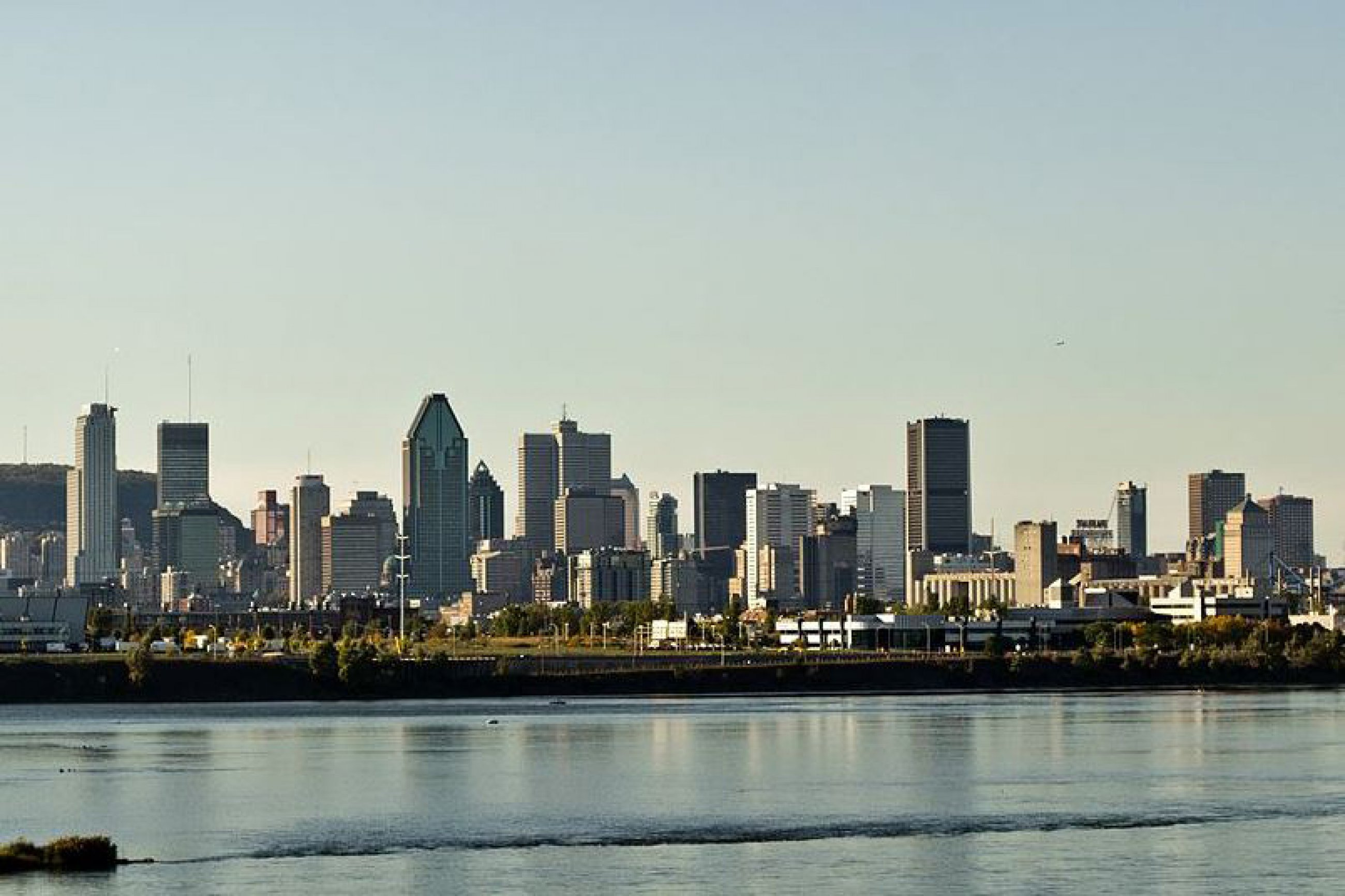 https://bubo.sk/uploads/galleries/7322/montreal-skyline-september-2013.jpg