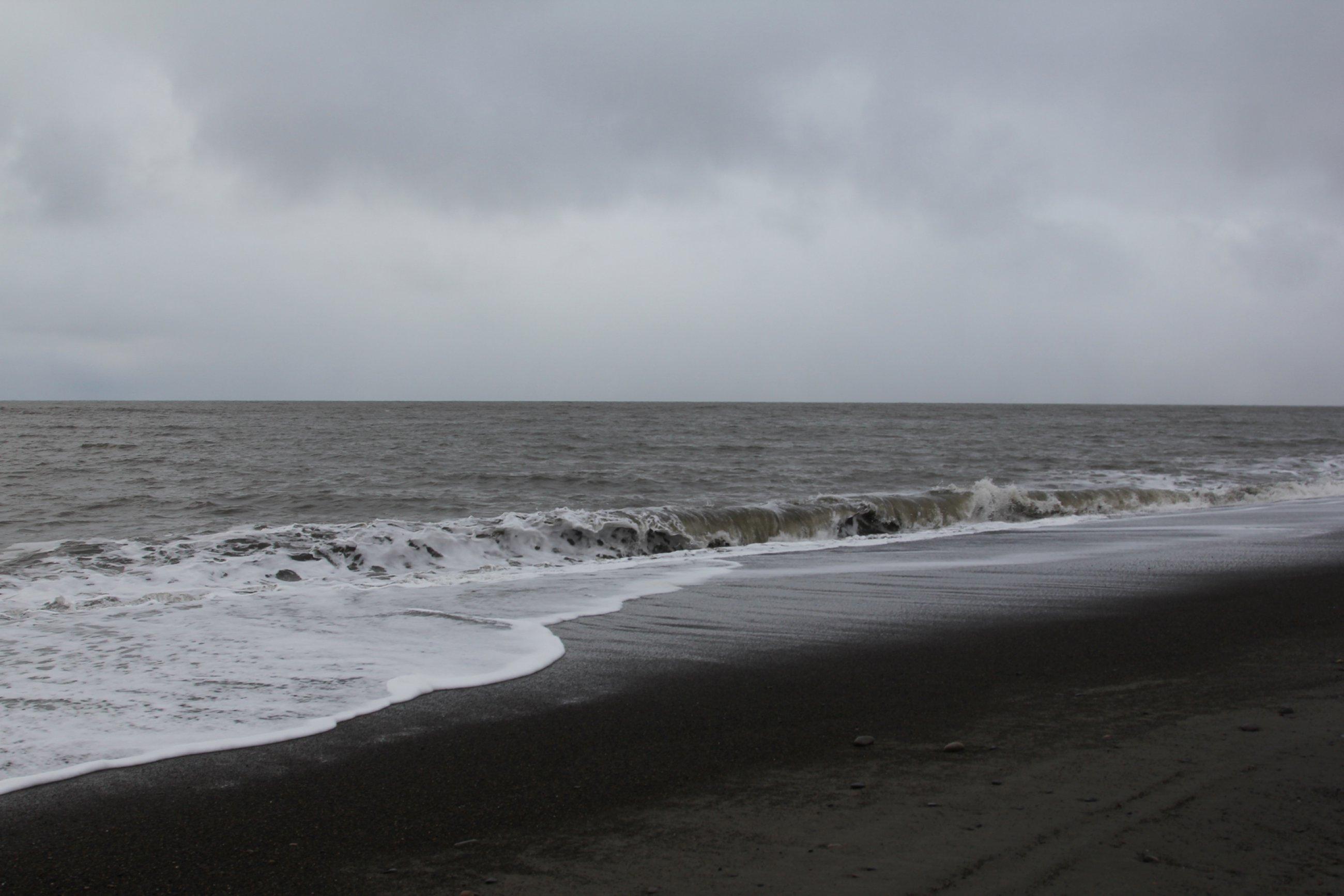 https://bubo.sk/uploads/galleries/7325/barrow-ladovo-chladne-vody-a-cierne-plaze-cukotskeho-mora.jpg
