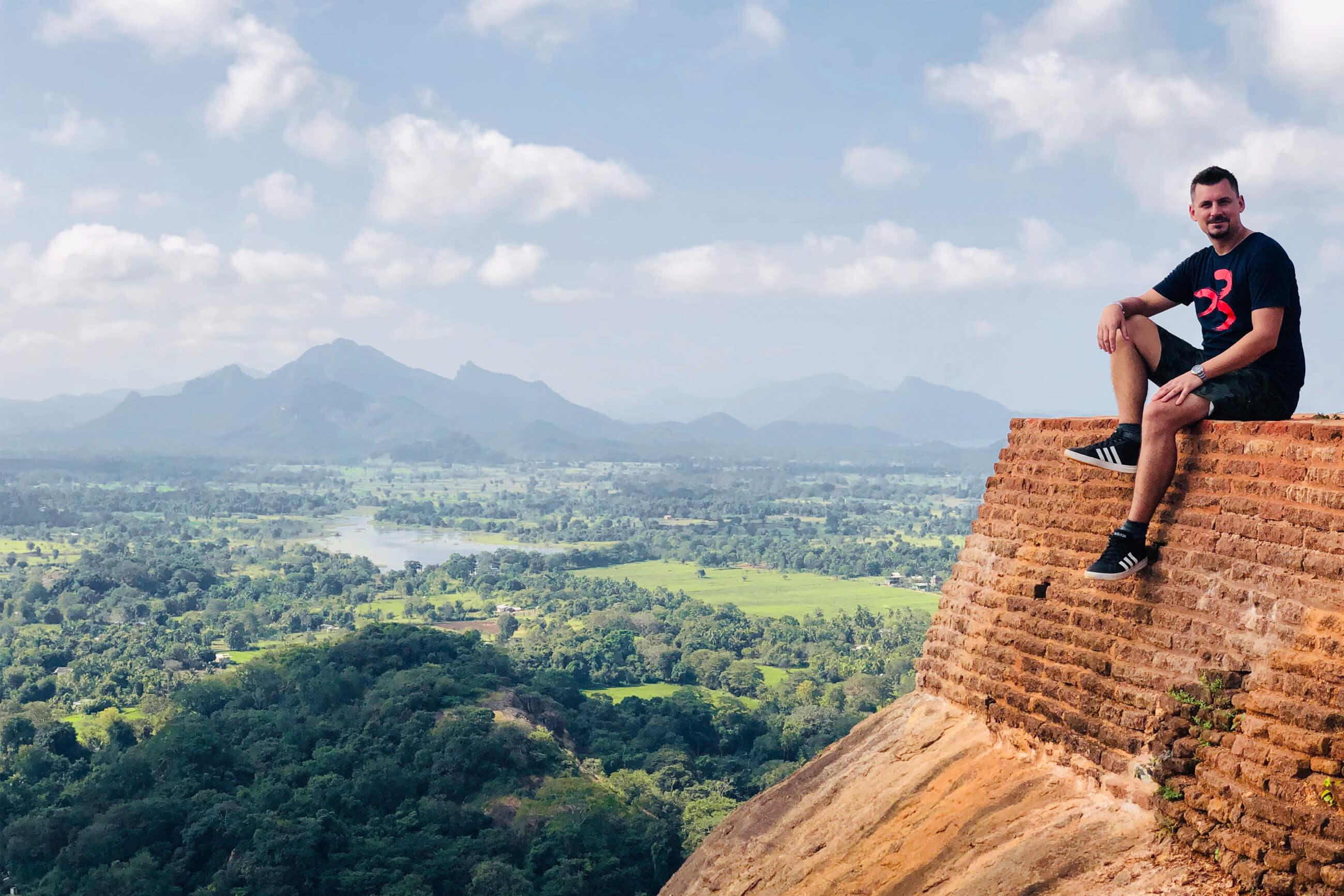 https://bubo.sk/uploads/galleries/7327/martinferencik_srilanka_photo-27-01-2019-13-15-23-1.jpg