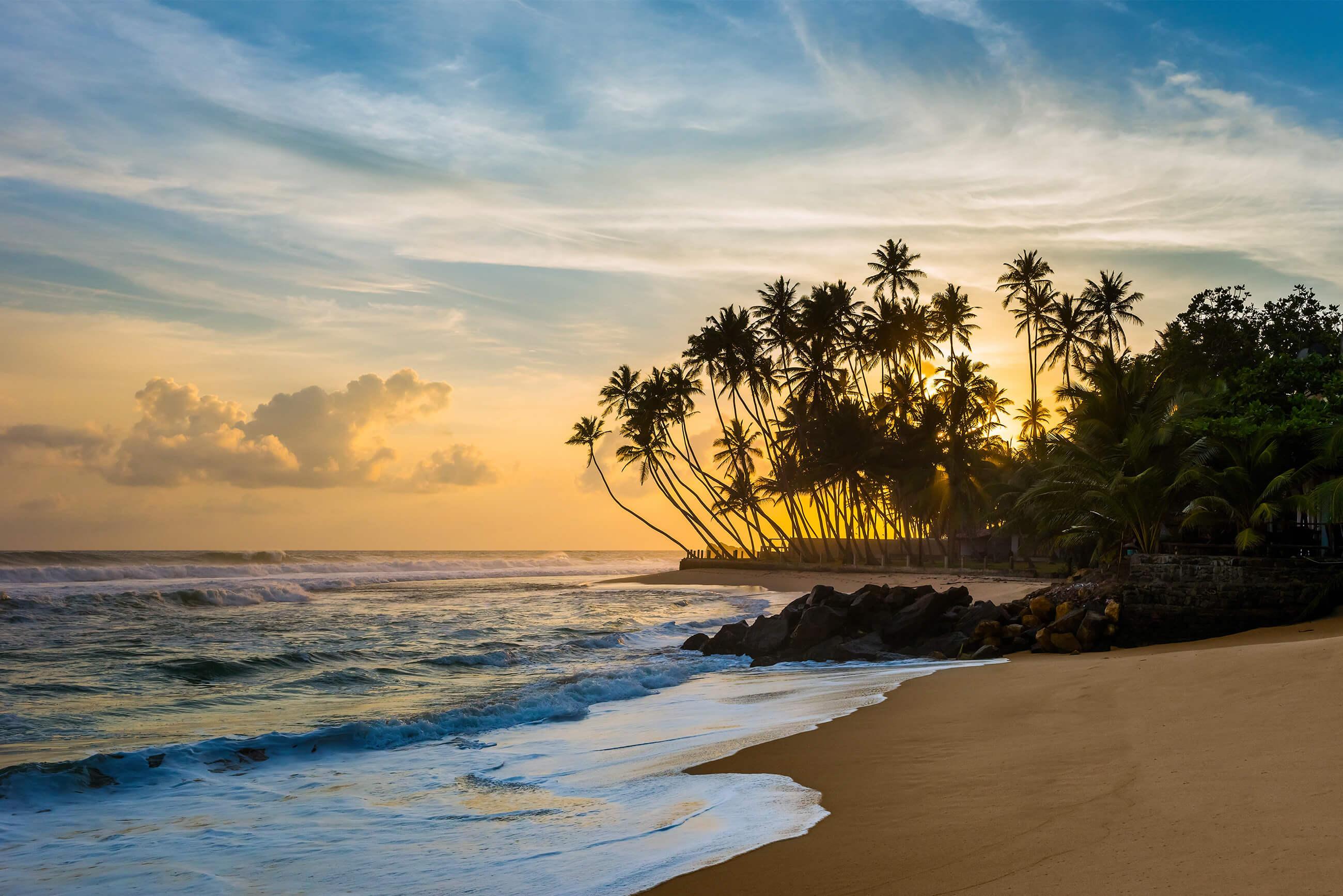 https://bubo.sk/uploads/galleries/7327/shutterstock_srilanka_plaz_529644775-2.jpg