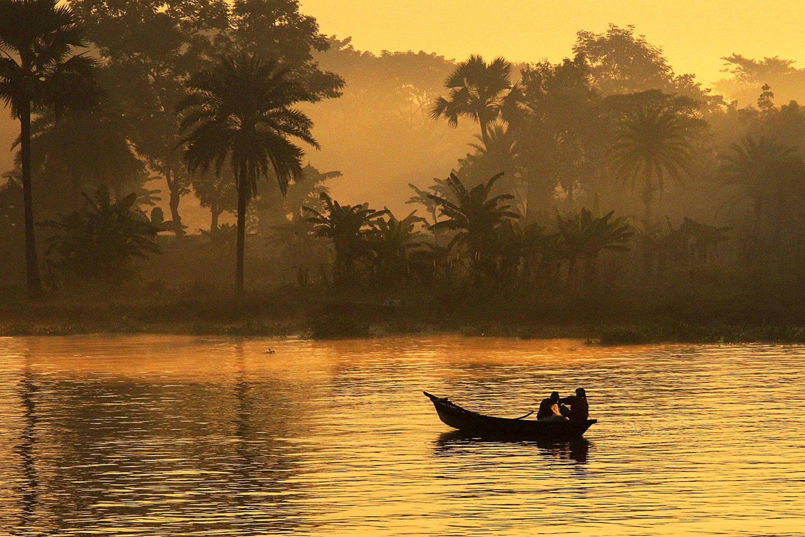https://bubo.sk/uploads/galleries/7333/dusan-valovic-banglades-rano-na-rieke-padma-1.jpg