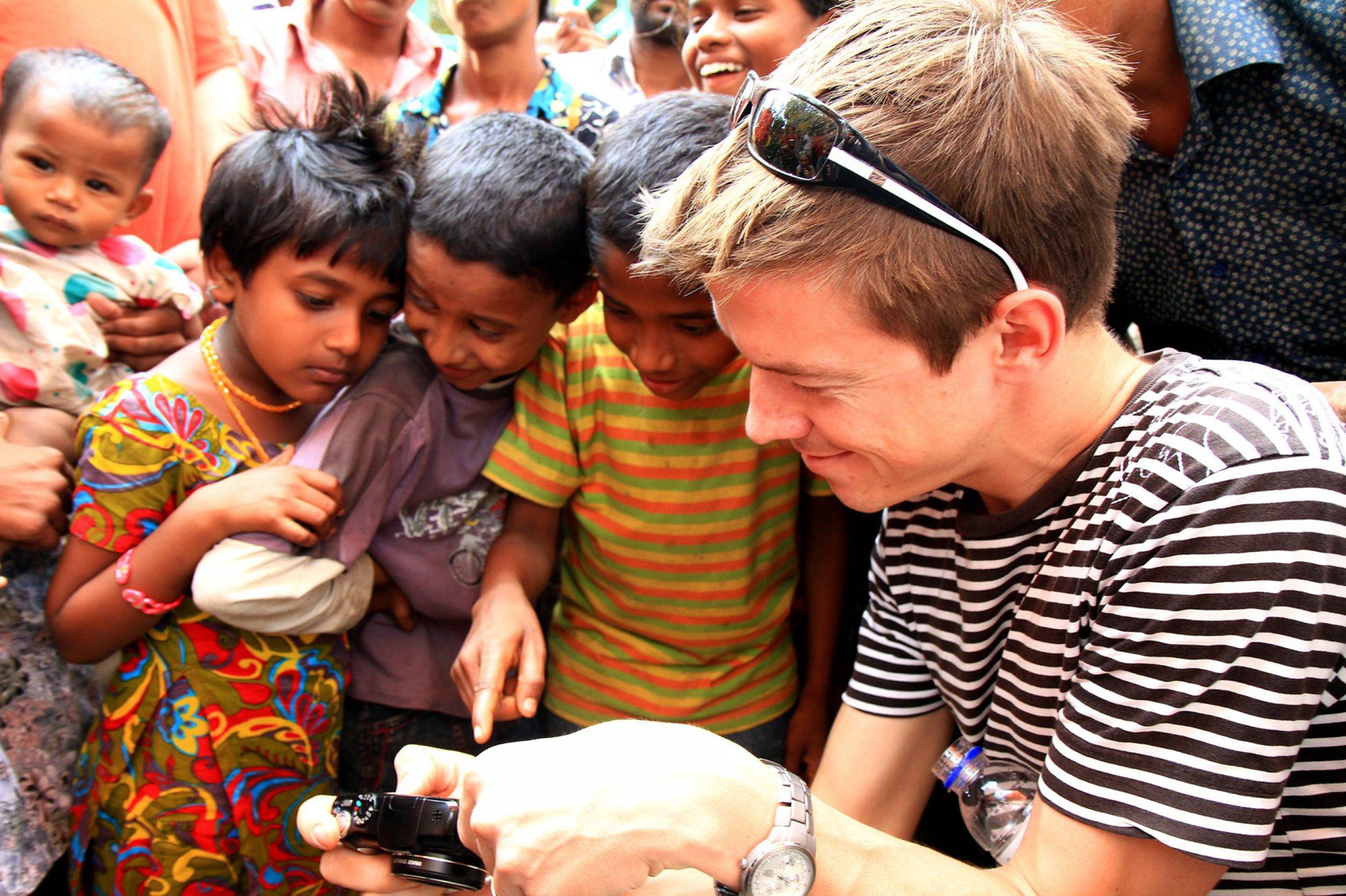 https://bubo.sk/uploads/galleries/7333/jozef-zeliznak-banglades-20-.jpg