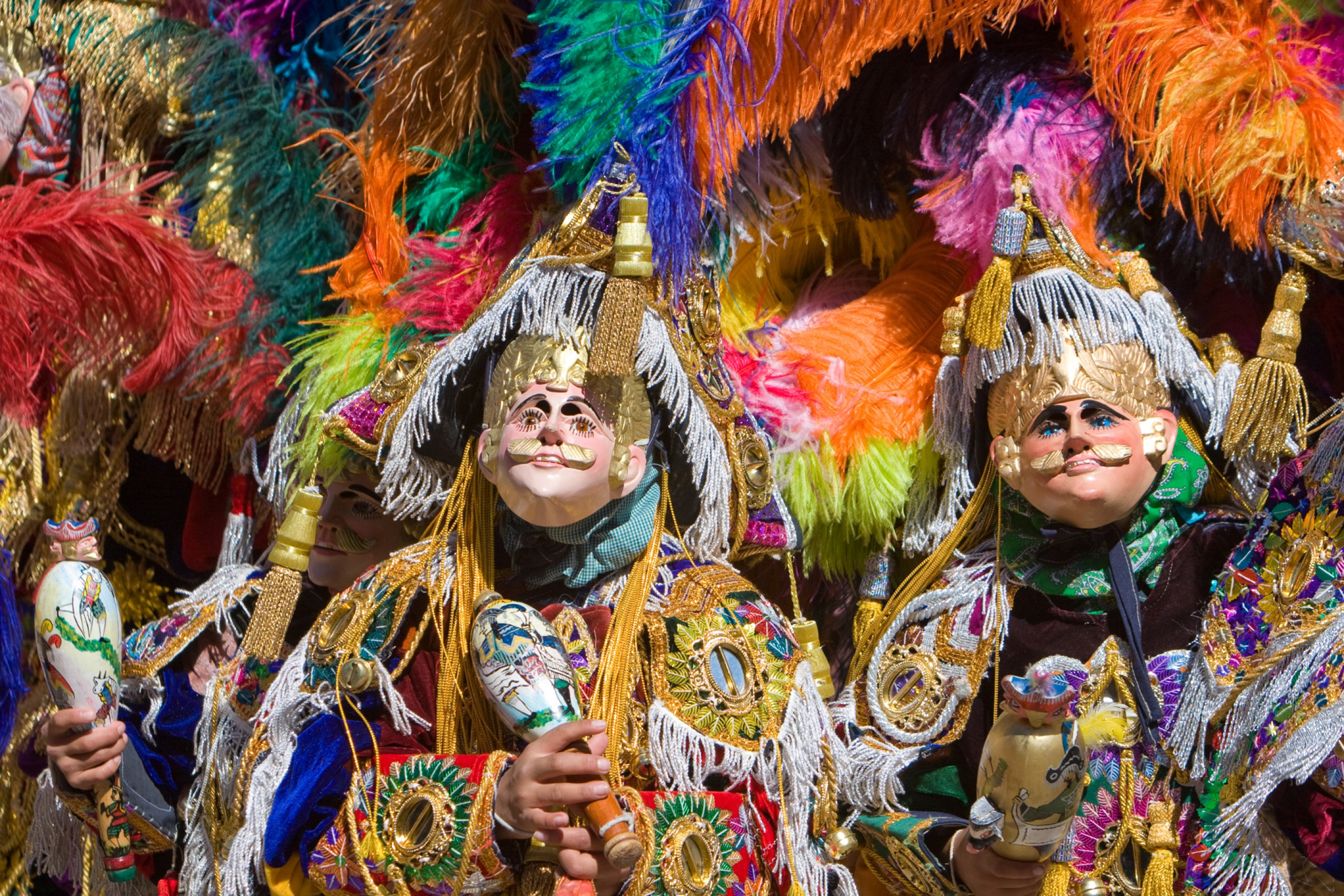 https://bubo.sk/uploads/galleries/7338/guatemala-the-locals-of-small-highland-town-of-chichicastenango-dress-up-to-celebrate-the-festa-of-san-tomas.jpg