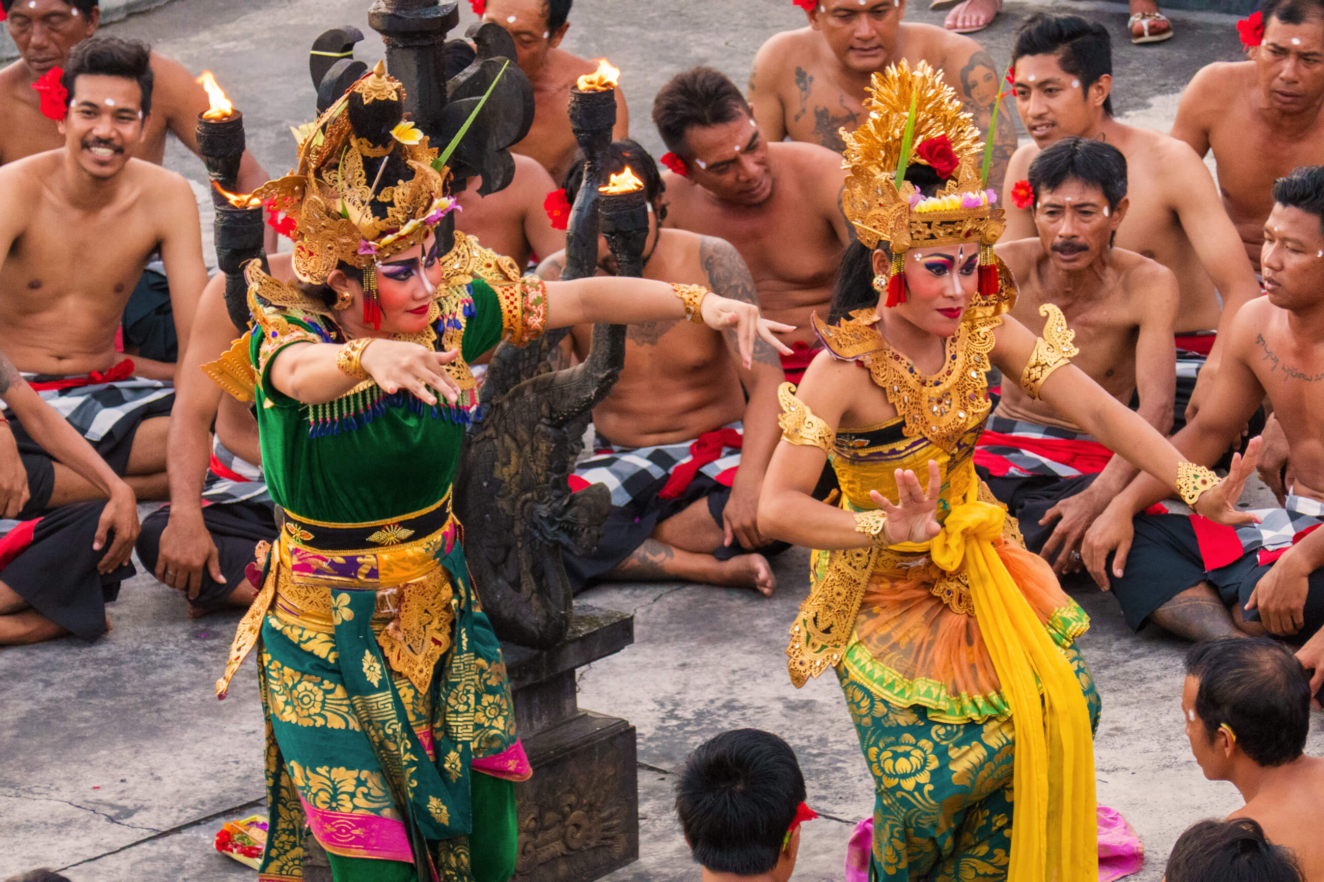 https://bubo.sk/uploads/galleries/7339/martin_simko_indonezia_bali_uluwatu_kecak-dance.jpg