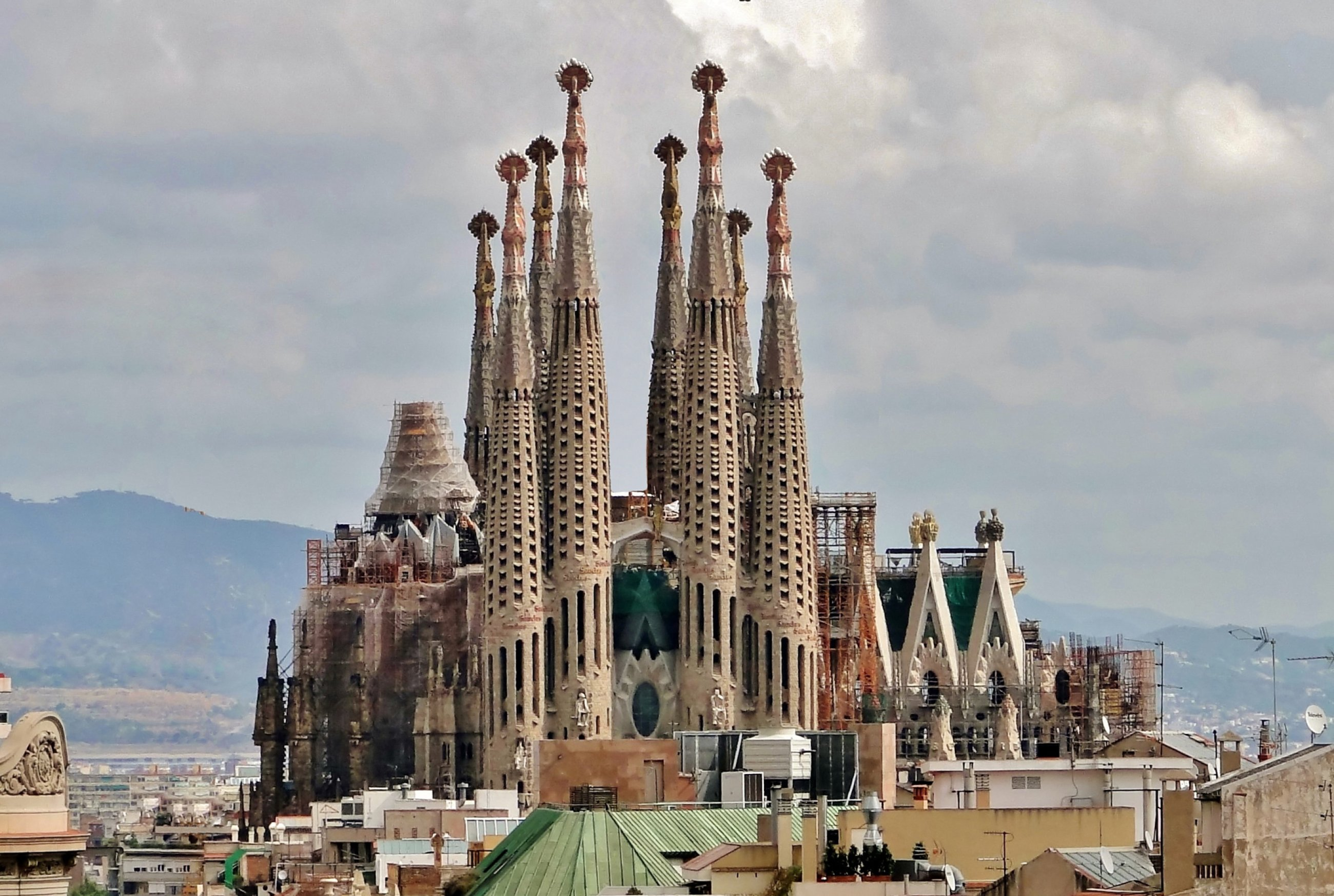 https://bubo.sk/uploads/galleries/7351/sagrada-familia-01.jpg