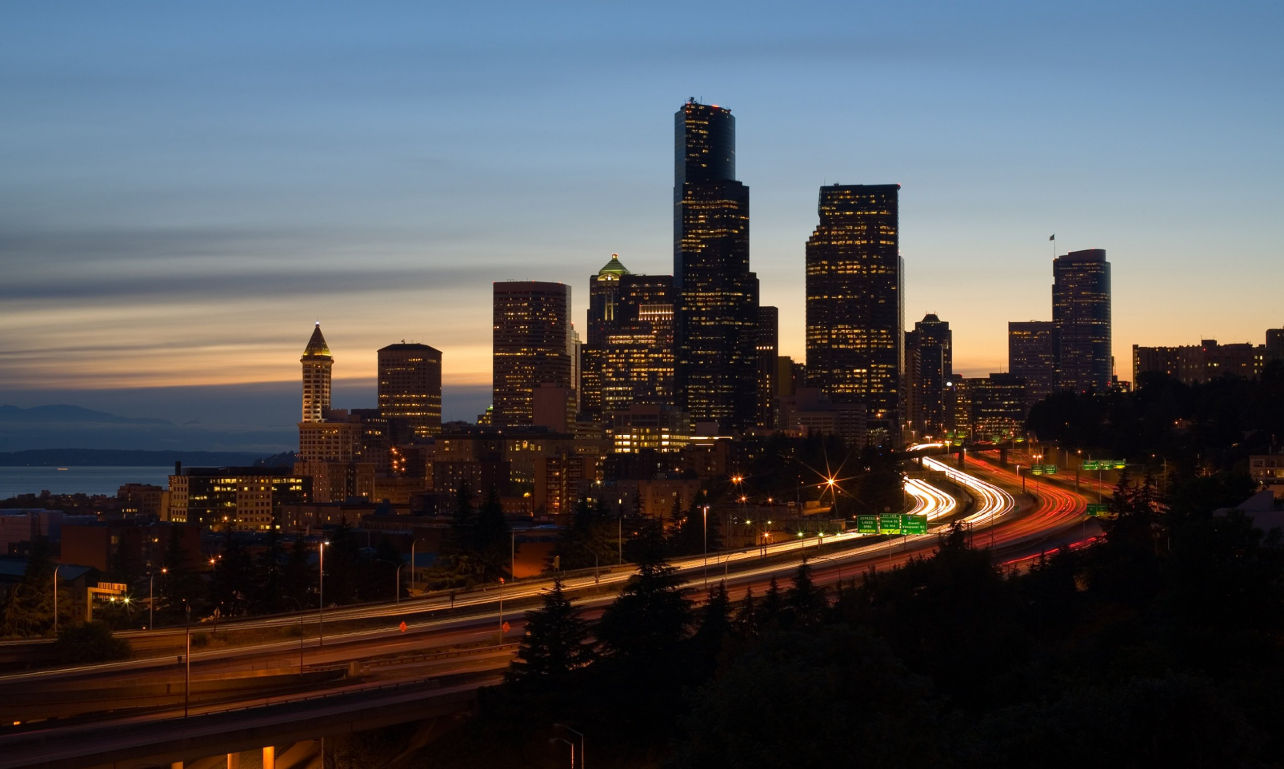 https://bubo.sk/uploads/galleries/7360/wikipdia-seattlei5skyline.jpg
