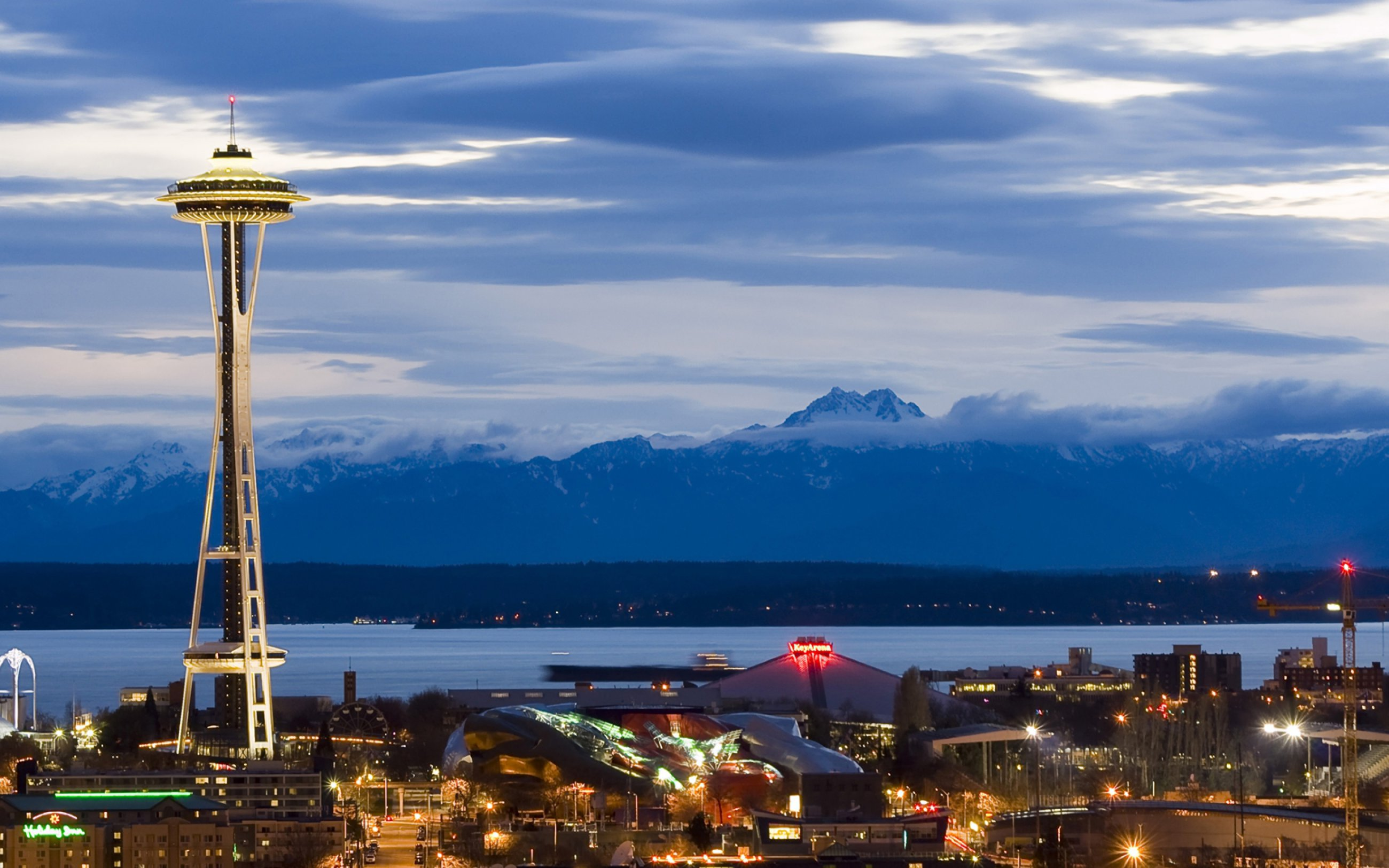 https://bubo.sk/uploads/galleries/7360/wikipedia-seattle-center-as-night-falls.jpg