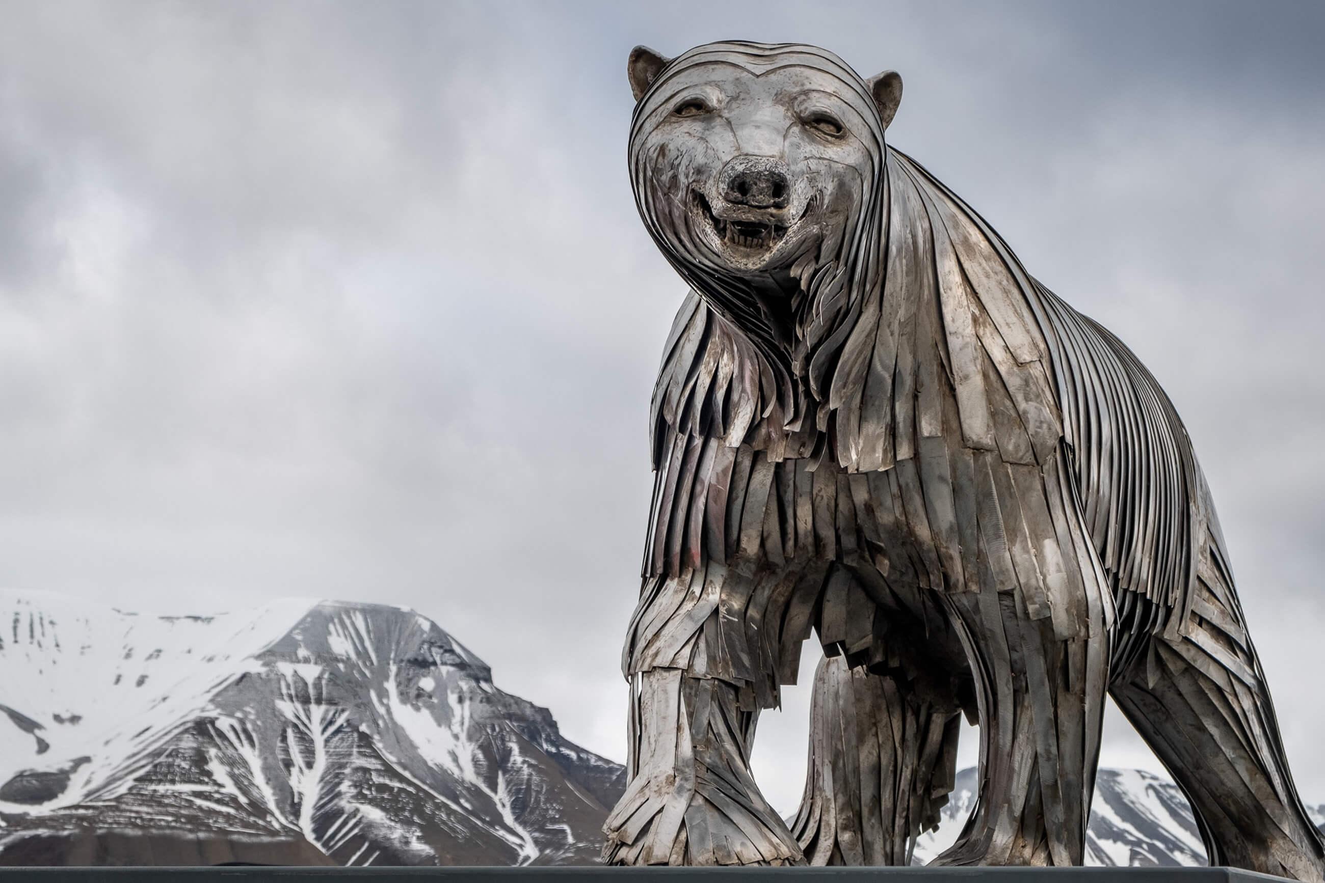 https://bubo.sk/uploads/galleries/7362/polar-bear-statue-longyearbyen-svalbard-hgr-136927--photo_andrea_klaussner-47.jpg