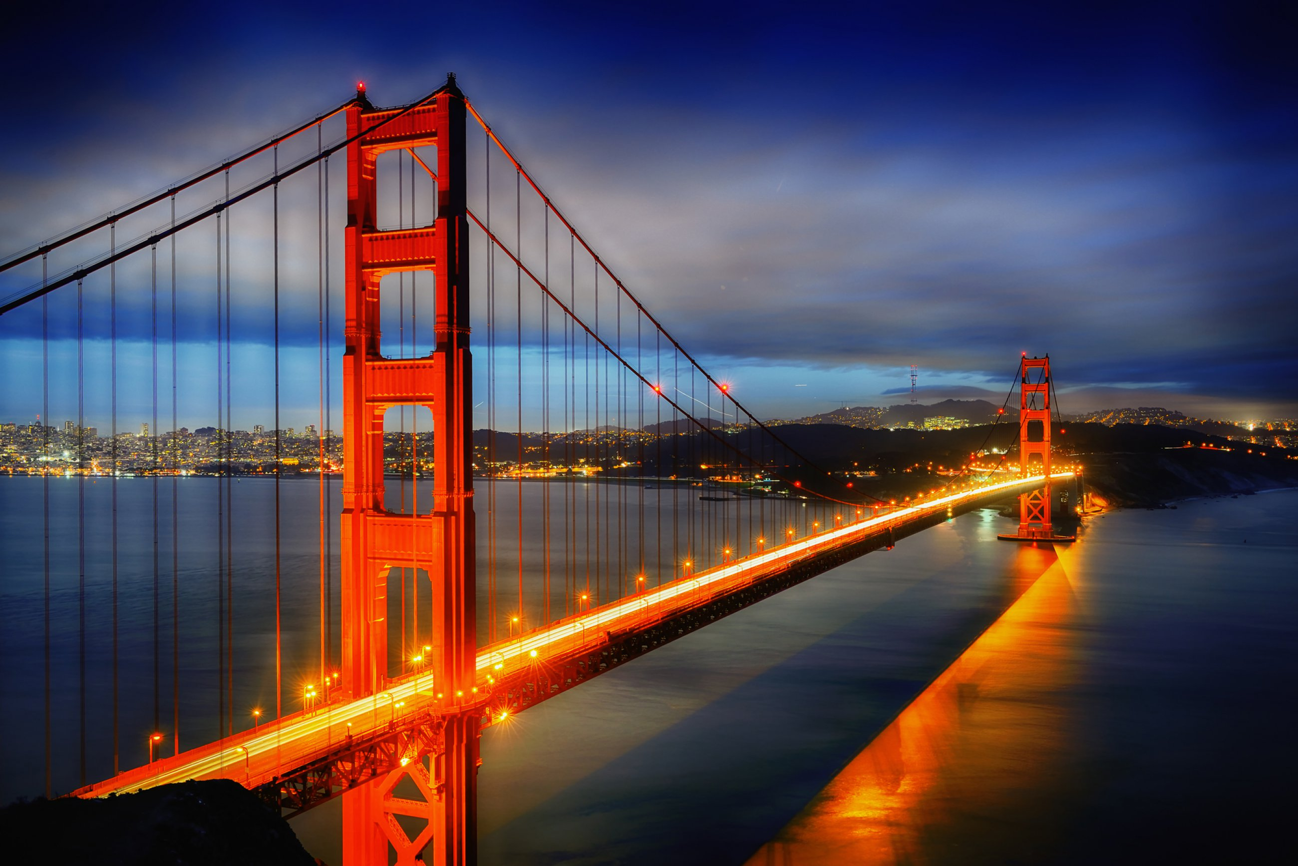 https://bubo.sk/uploads/galleries/7370/sf-kalifornia-famous-golden-gate-bridge-san-francisco-at-night-usa.jpg