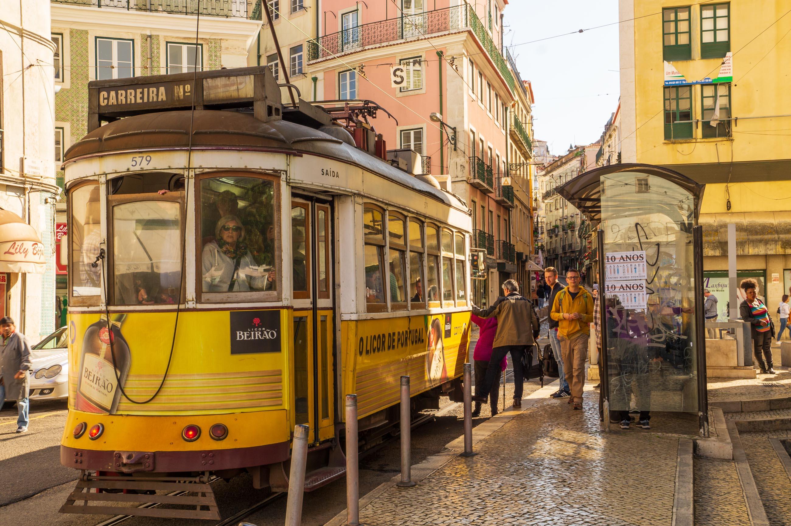 https://bubo.sk/uploads/galleries/7377/jozefzeliznakst_portugalsko_lisabon_dsc05937.jpg