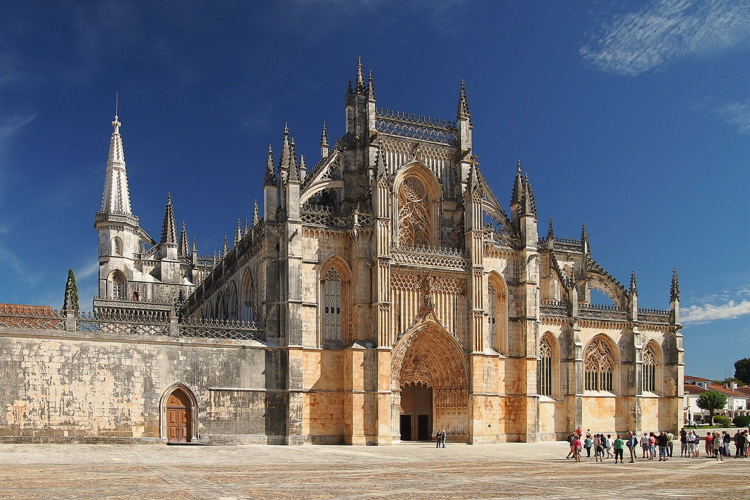 https://bubo.sk/uploads/galleries/7377/pxb_portugalsko_batalha_monastery-3590443.jpg