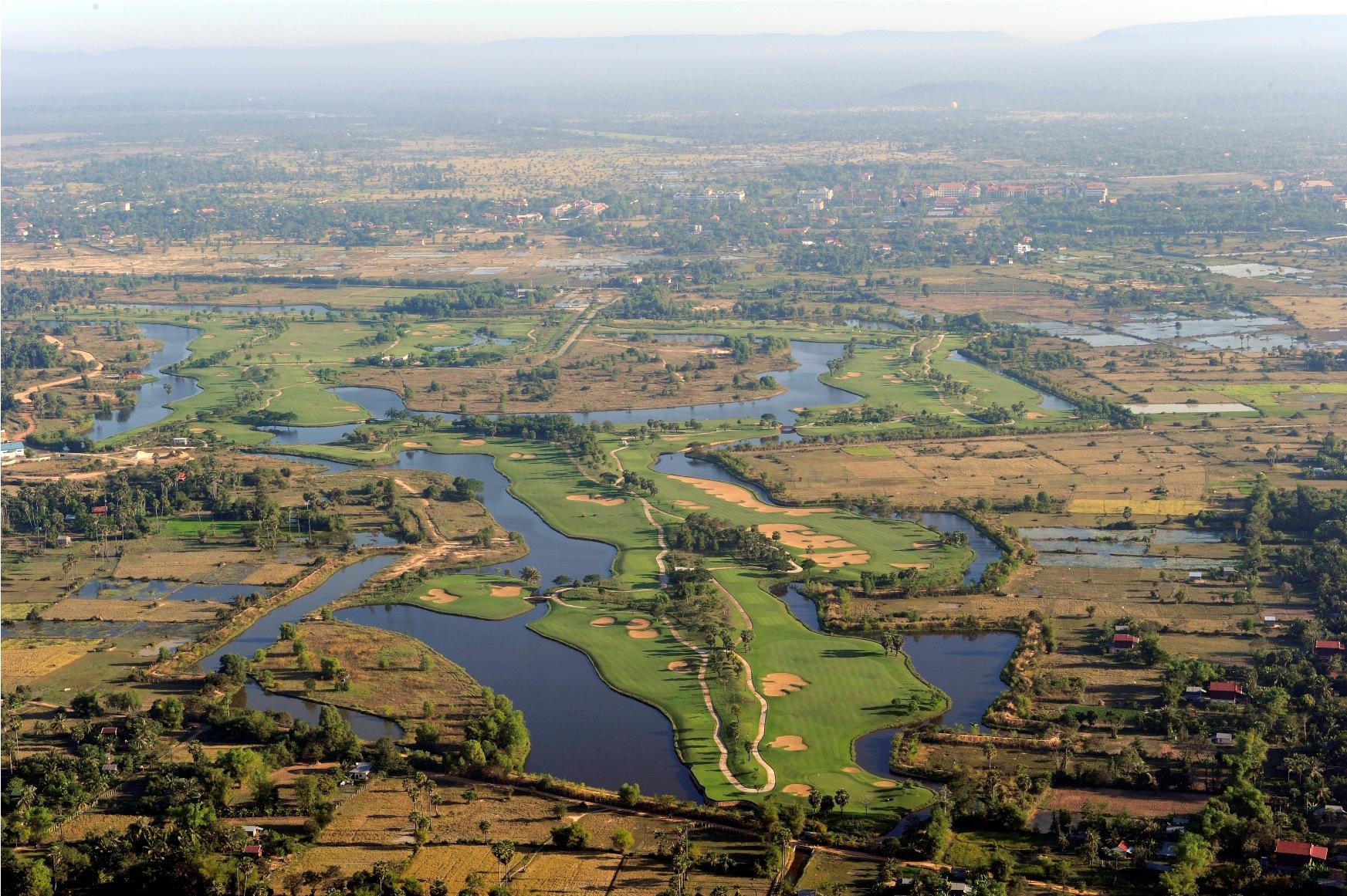https://bubo.sk/uploads/galleries/7382/angkor-golf-resort-07.jpg