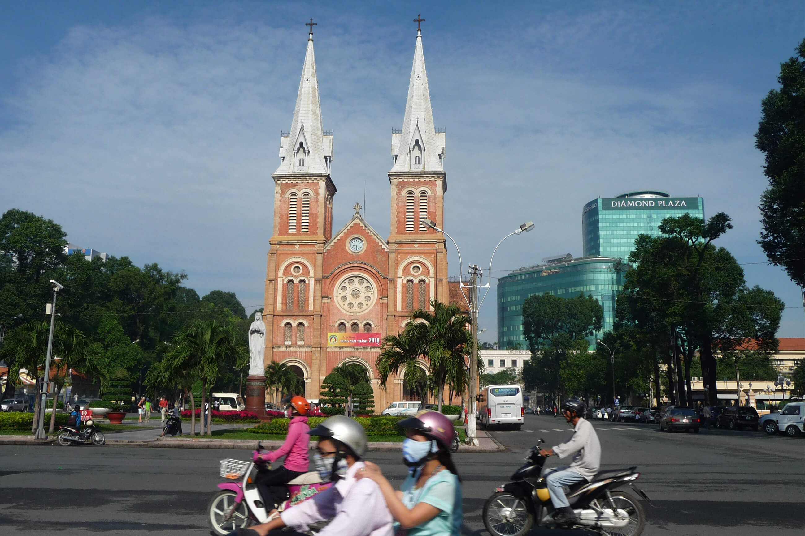 https://bubo.sk/uploads/galleries/7382/archiv_vietnam_saigon_p1120554.jpg