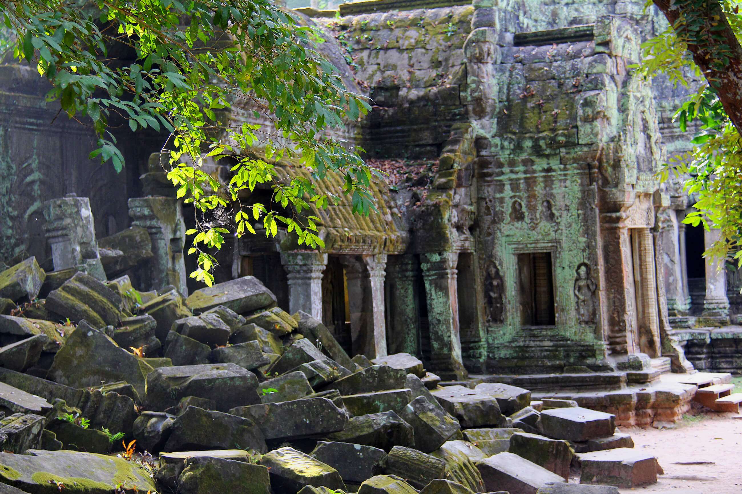 https://bubo.sk/uploads/galleries/7382/pxb_kambodza_ta-prohm-temple-934058.jpg