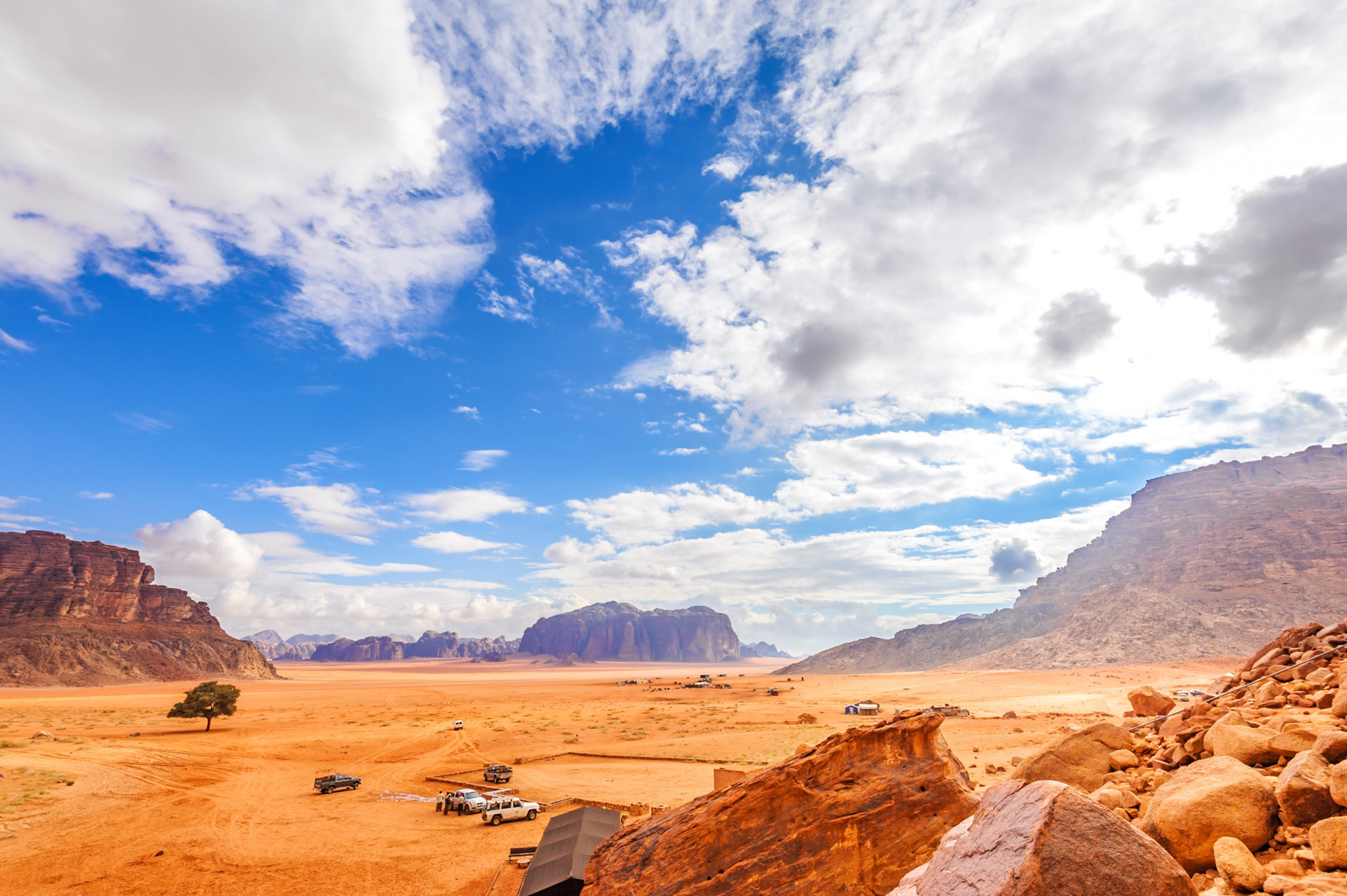 https://bubo.sk/uploads/galleries/7386/jordansko-jazda-udolim-wadi-rum..jpg