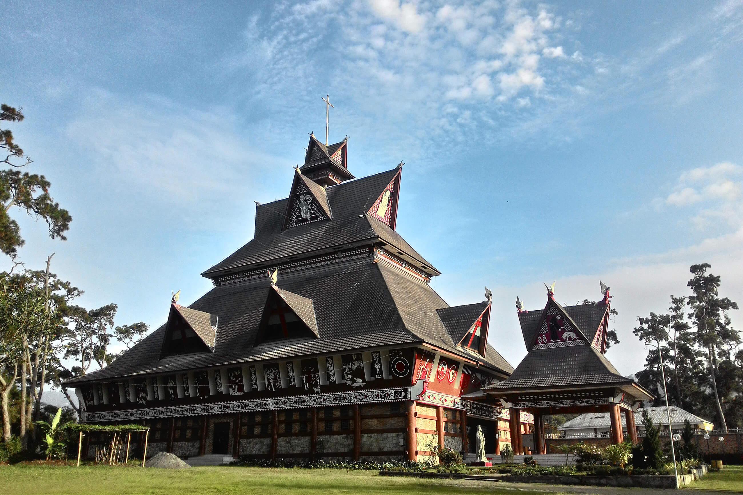 https://bubo.sk/uploads/galleries/7396/freeimage_sumatra_kostol.jpg