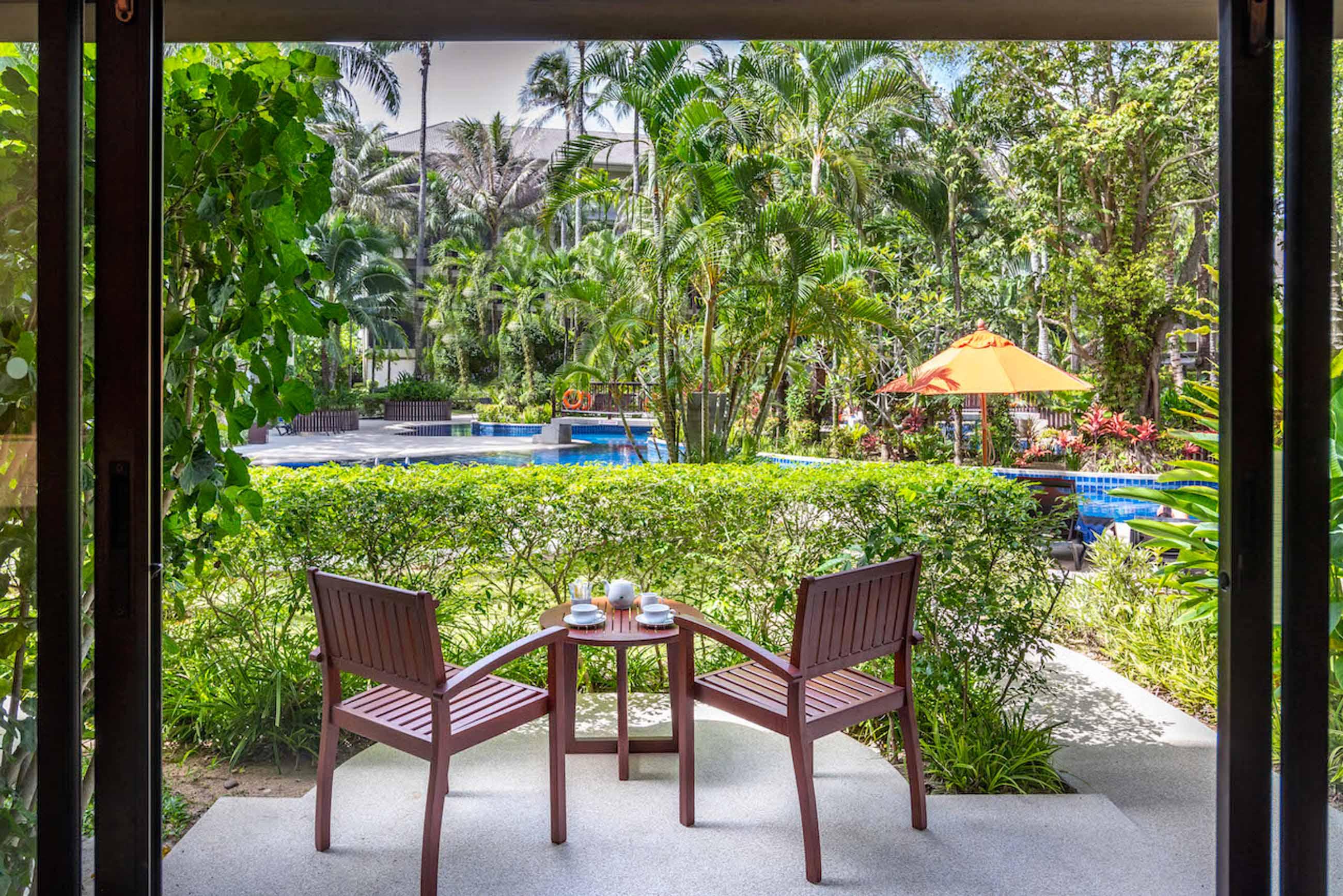 https://bubo.sk/uploads/galleries/7404/novotel-phuket-surin-beach-resort-terrace-pool-access.jpg