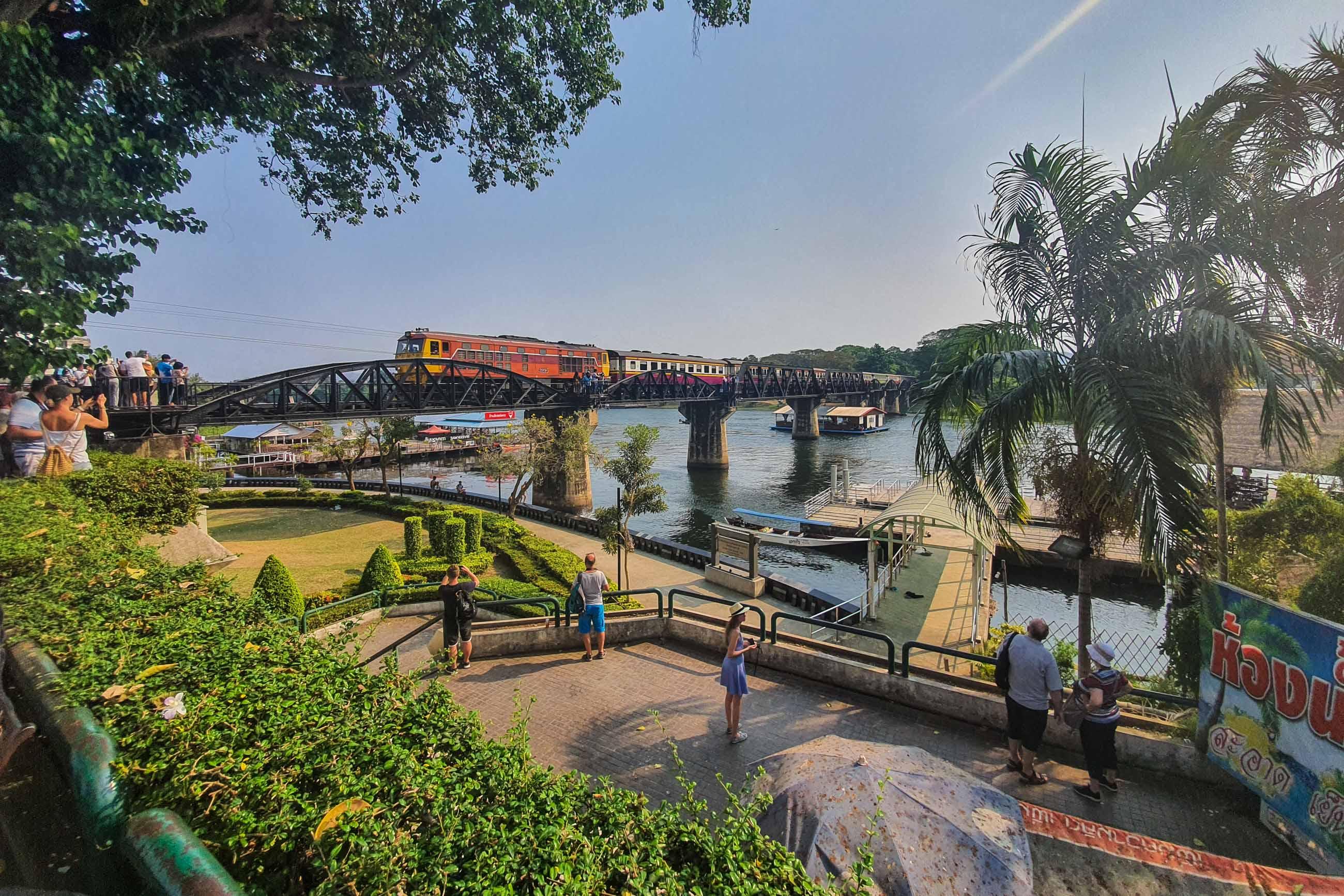 https://bubo.sk/uploads/galleries/7404/patricia_mrazkova_thajsko_vlak_na_moste_cez_rieku_kwai.jpg