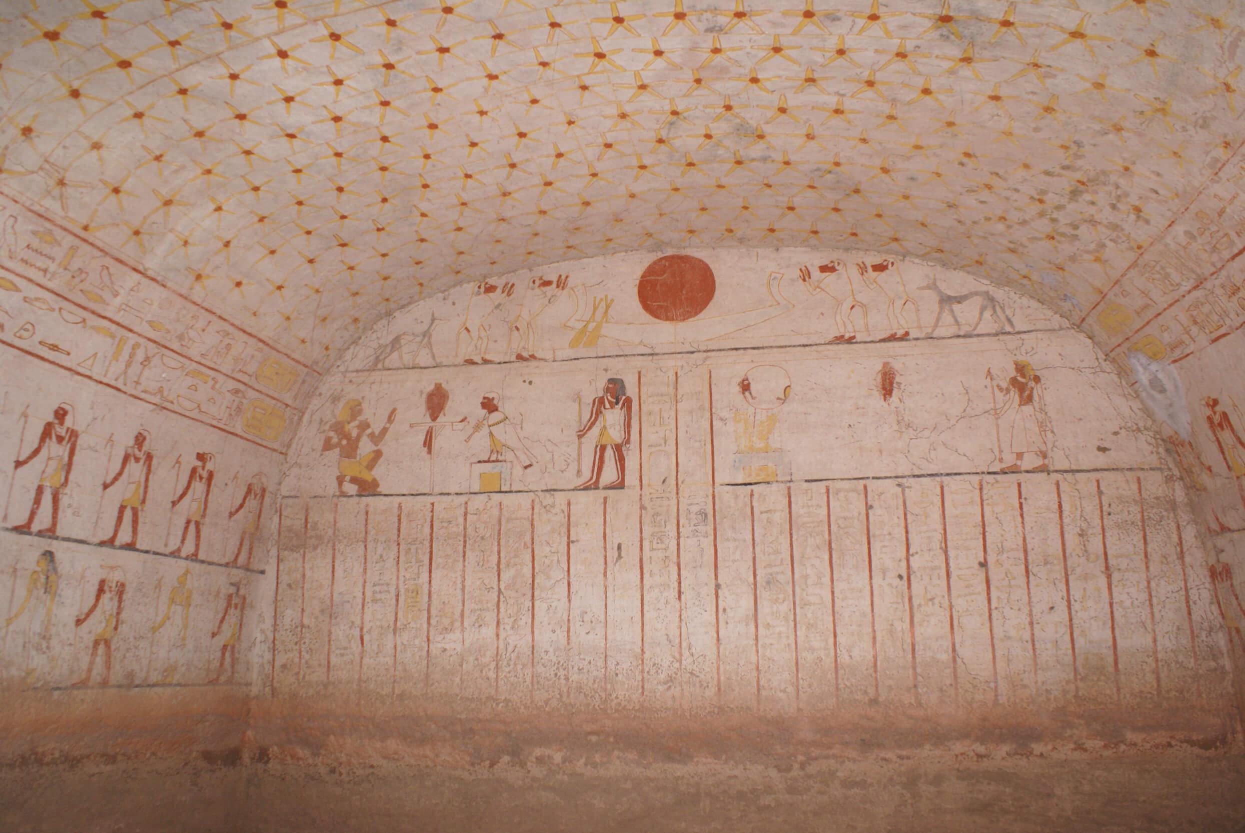 https://bubo.sk/uploads/galleries/7407/lubosfellner_sudan_6a-vnutro-pyramidy-a-ziadni-ini-turisti.jpg
