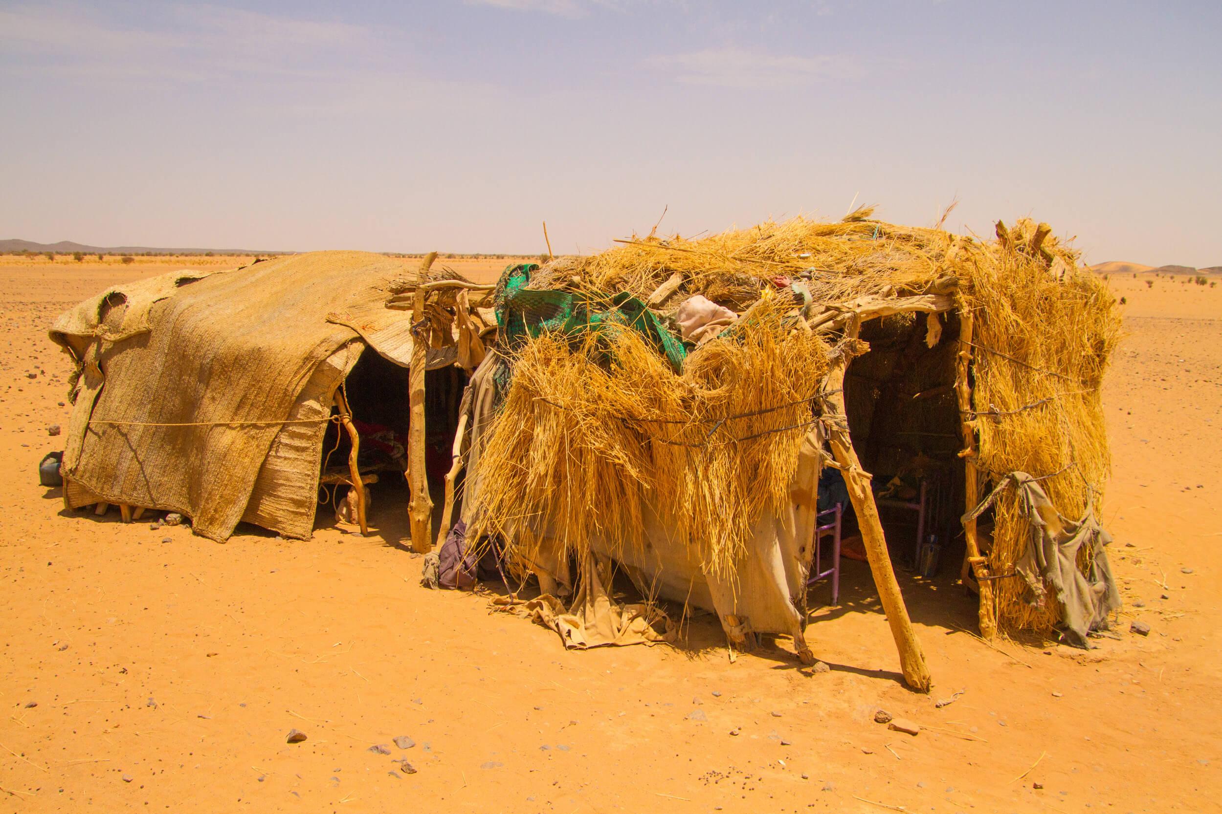 https://bubo.sk/uploads/galleries/7407/marekmeluch_sudan_bayudadesertnomads1.jpg