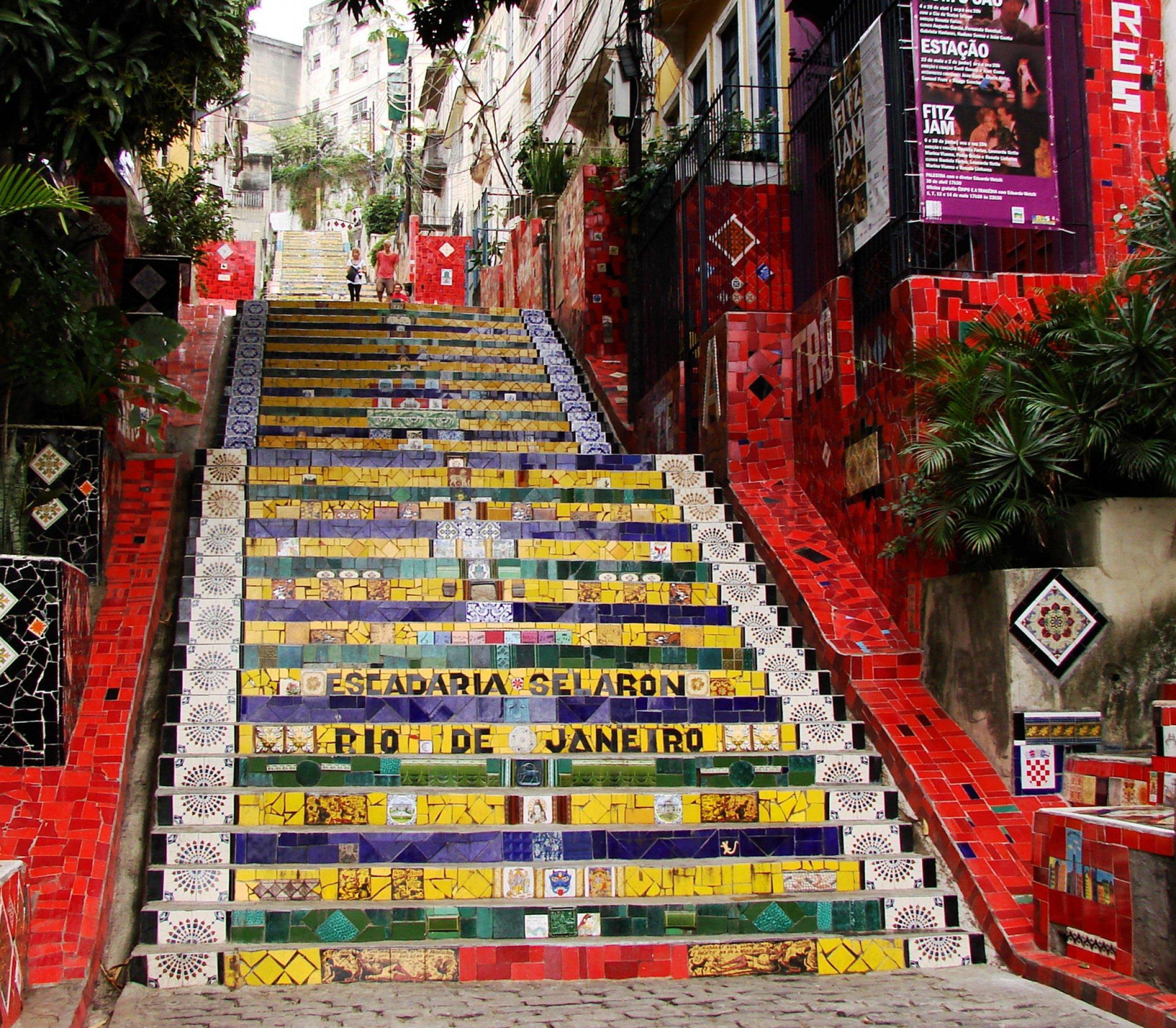 https://bubo.sk/uploads/galleries/7412/rio-selaron-stairs-rio-de-janeiro-brasil.jpg