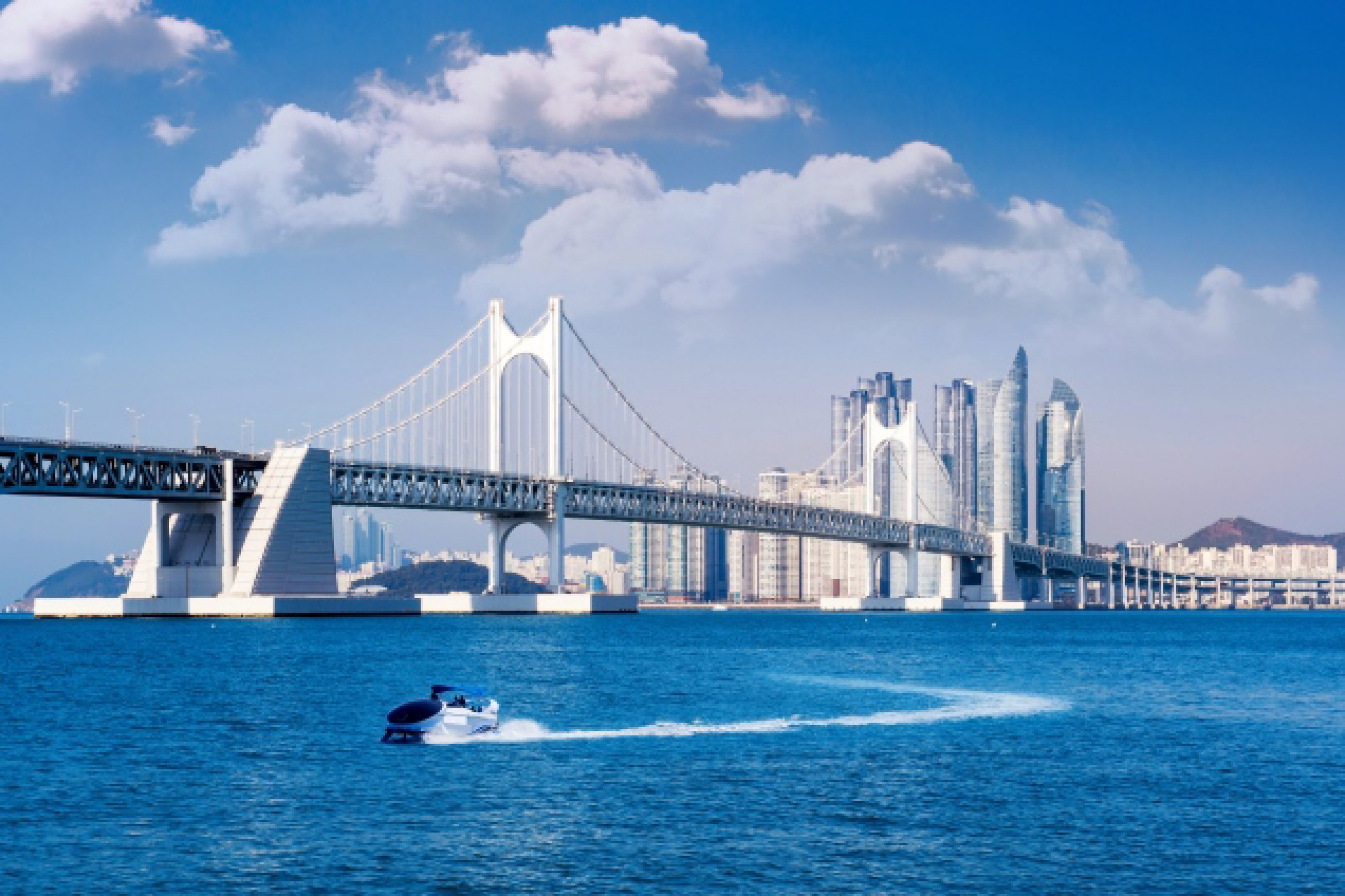 https://bubo.sk/uploads/galleries/7452/gwangan-bridge-and-haeundae-in-busan-korea.jpg