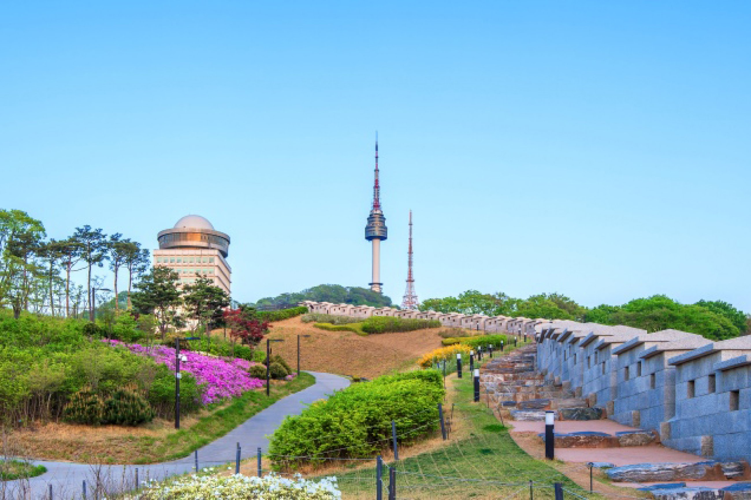 https://bubo.sk/uploads/galleries/7452/seoul-tower-located-on-namsan-mountain-in-central-seoul-south-korea.jpg