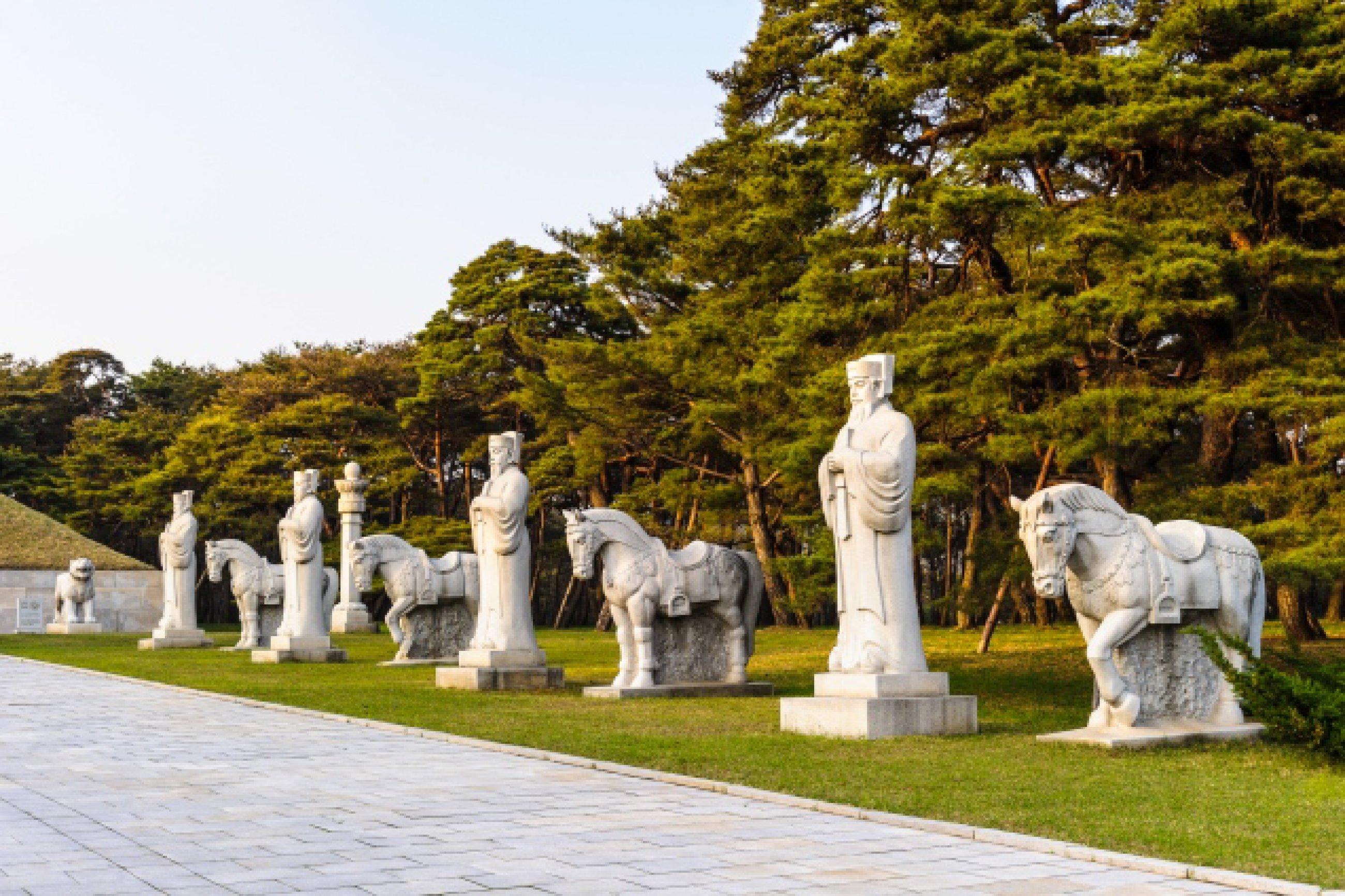 https://bubo.sk/uploads/galleries/7452/statues-on-the-road-to-the-tombs-of-ancient-koguryo-kingdom-pyongyang-north-korea.jpg