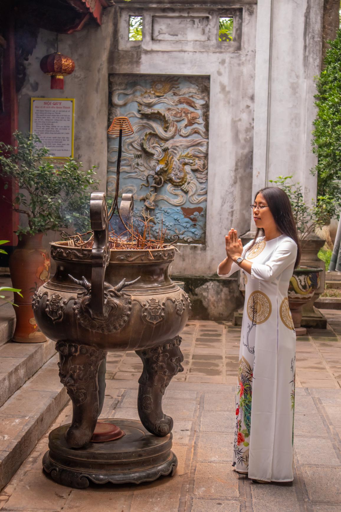 https://bubo.sk/uploads/galleries/7454/evaandrejcova_vietnam_hanoj_img_2505-2.jpg