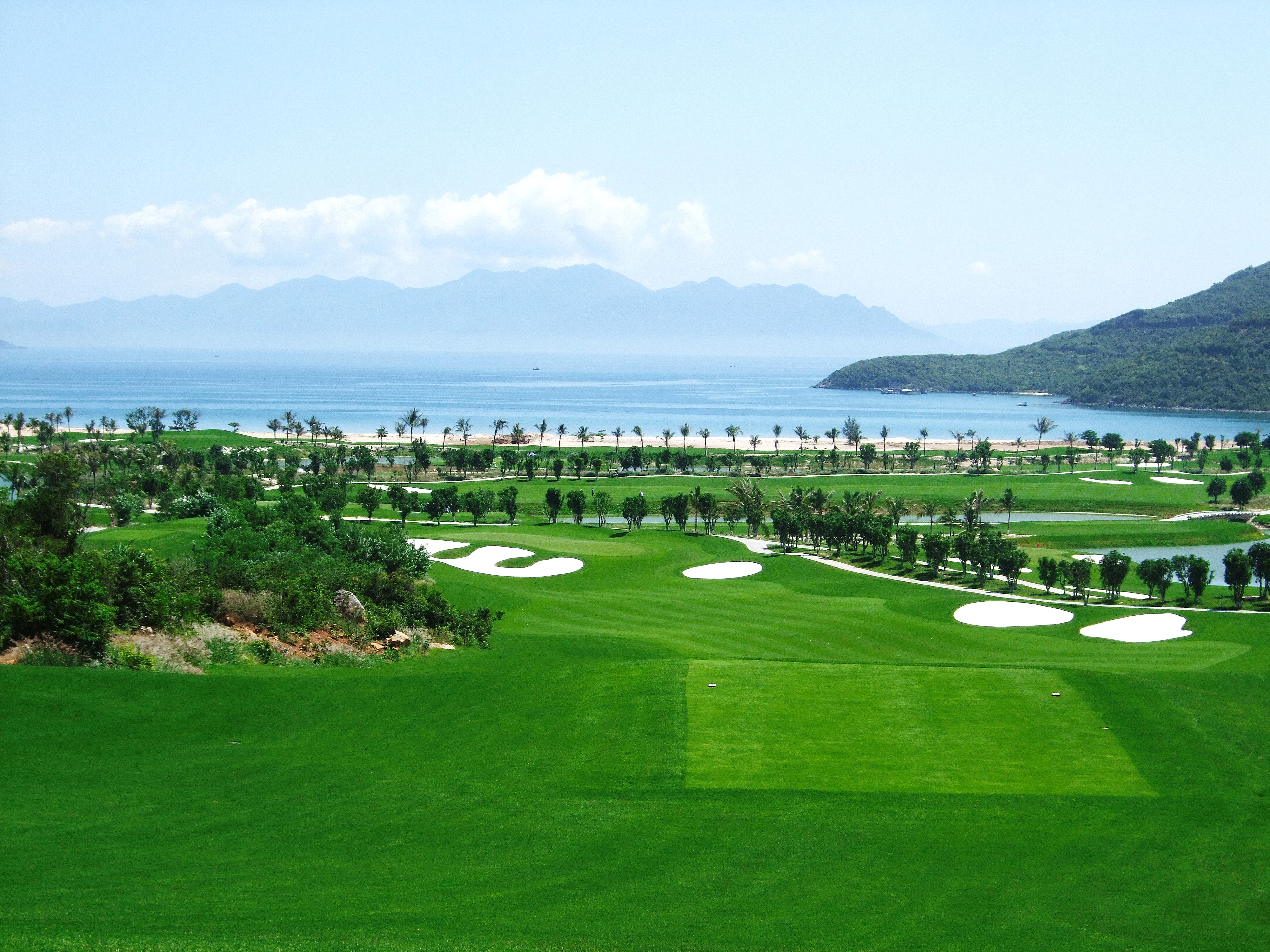 https://bubo.sk/uploads/galleries/7454/vinpearl-golf-club.jpg