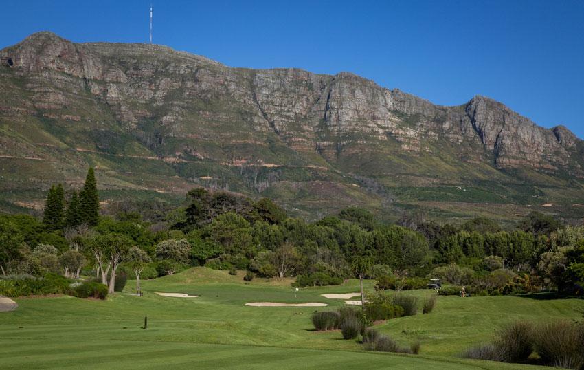 https://bubo.sk/uploads/galleries/7493/14-jamka-v-steenberg-golf-course-xcape-town.jpg