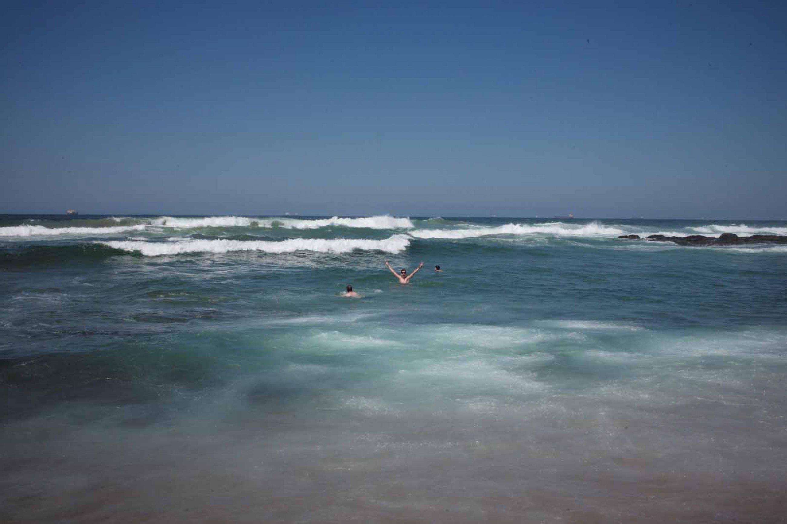 https://bubo.sk/uploads/galleries/7526/3-nebude-sa-nam-pacit.-nadseny-dando-vo-vodach-indickeho-oceanu.jpg