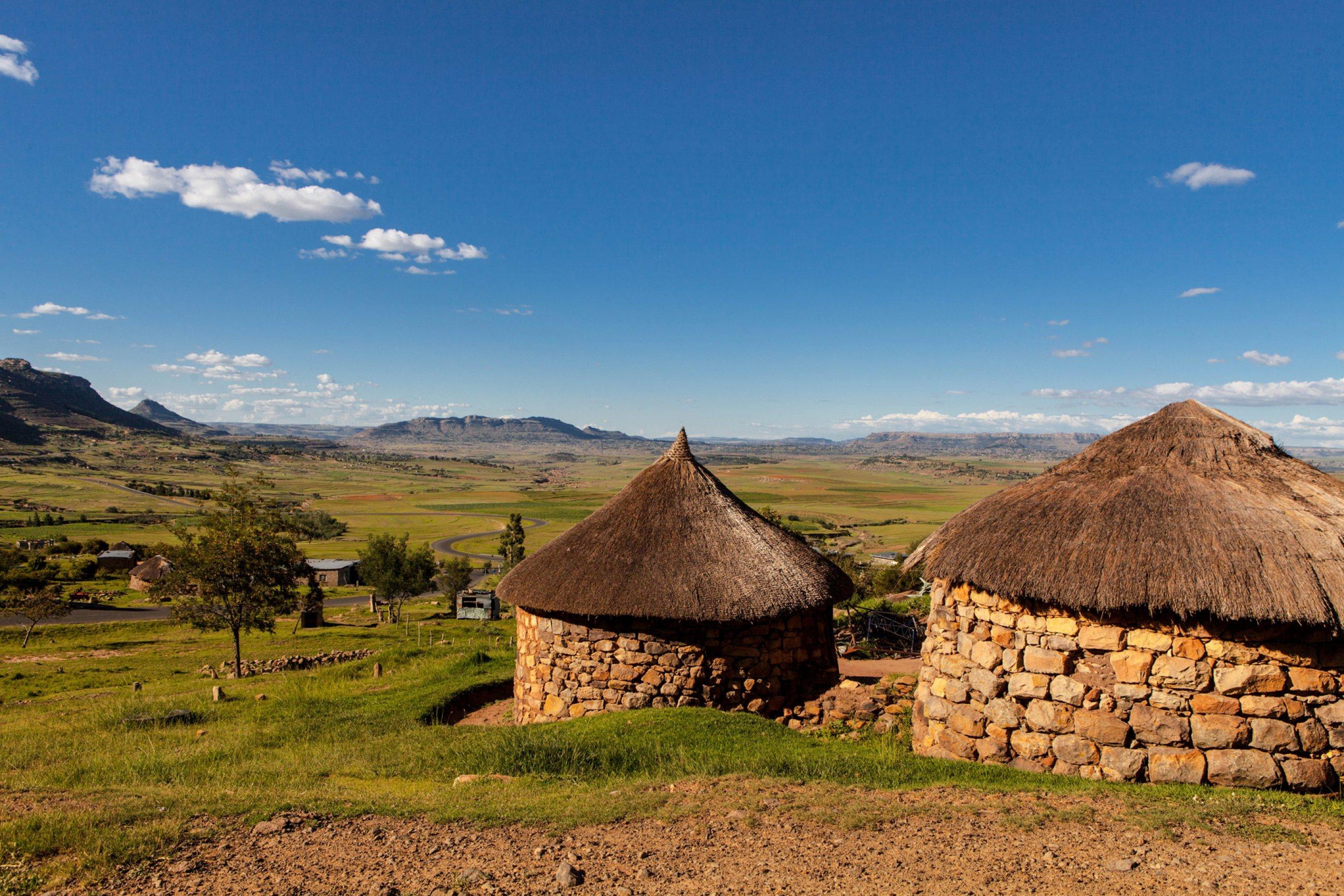https://bubo.sk/uploads/galleries/7526/lesotho-lesotho-traditional-house-basotho-hut.jpg