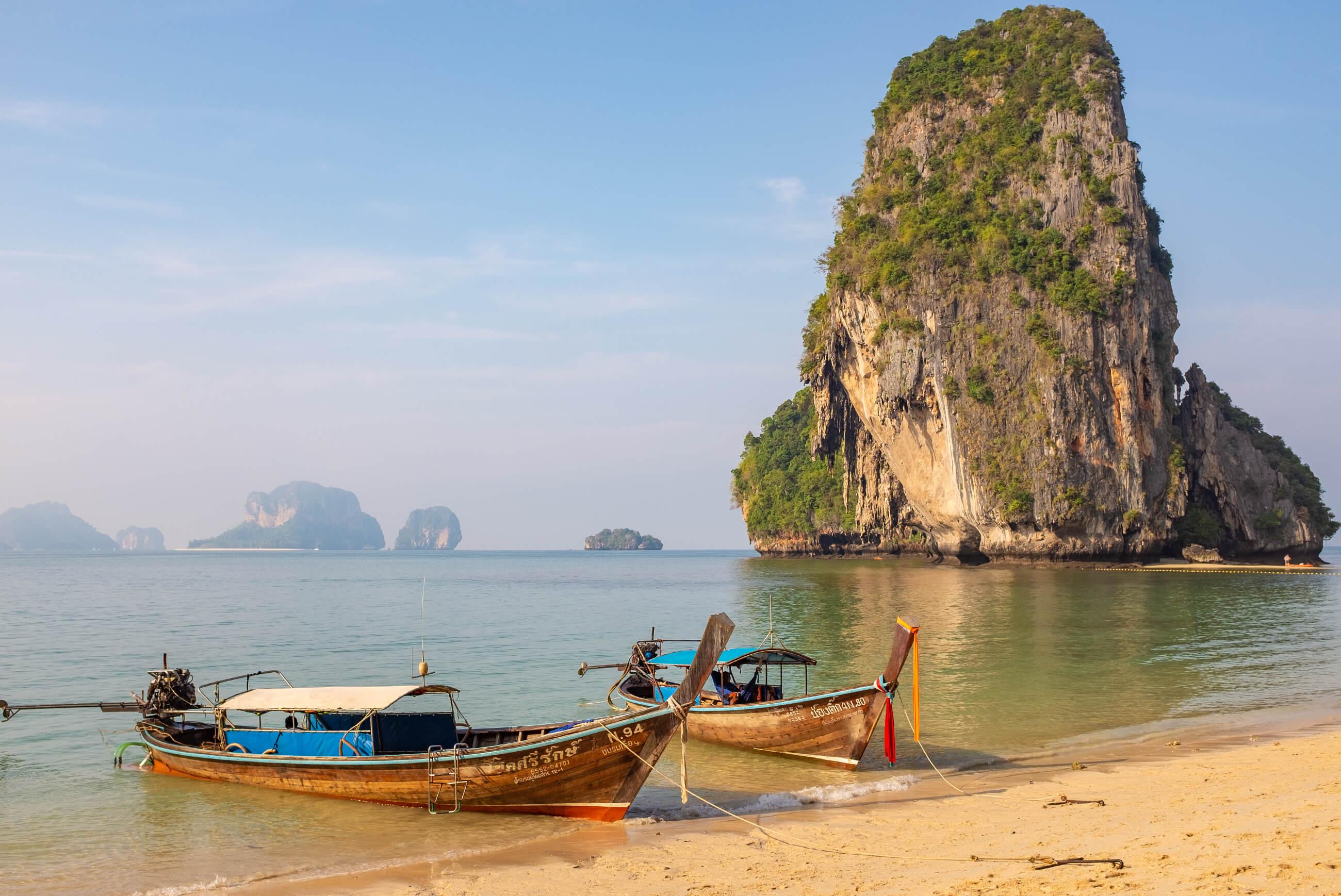 https://bubo.sk/uploads/galleries/7534/robotaraba_thajsko_krabi_plaze-2-.jpg
