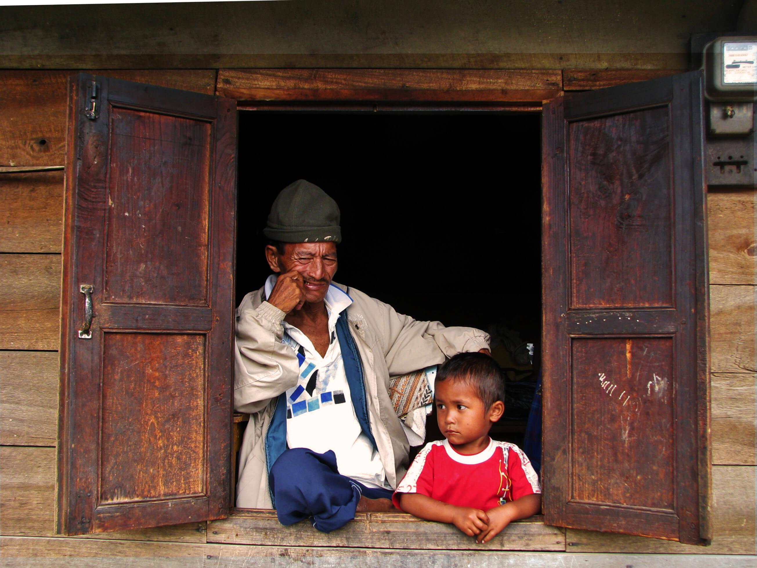 https://bubo.sk/uploads/galleries/7542/jozefharvanek_indonezia_sumatra-toba-batak-v-batackej-dedine-na-samosire.jpg