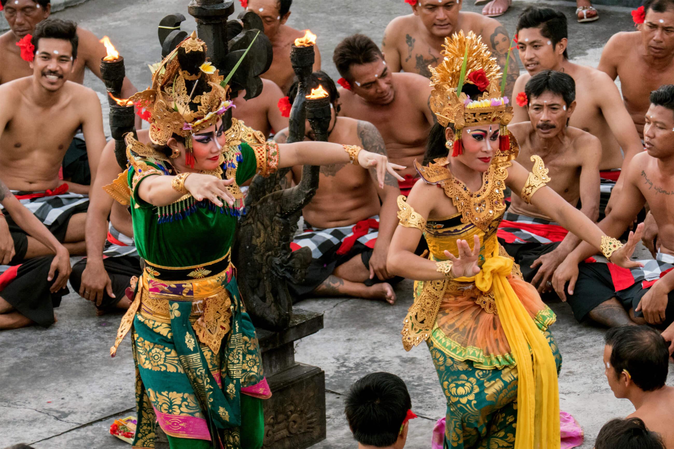 https://bubo.sk/uploads/galleries/7542/martin_simko_indonezia_bali_uluwatu_kecak-dance.jpg