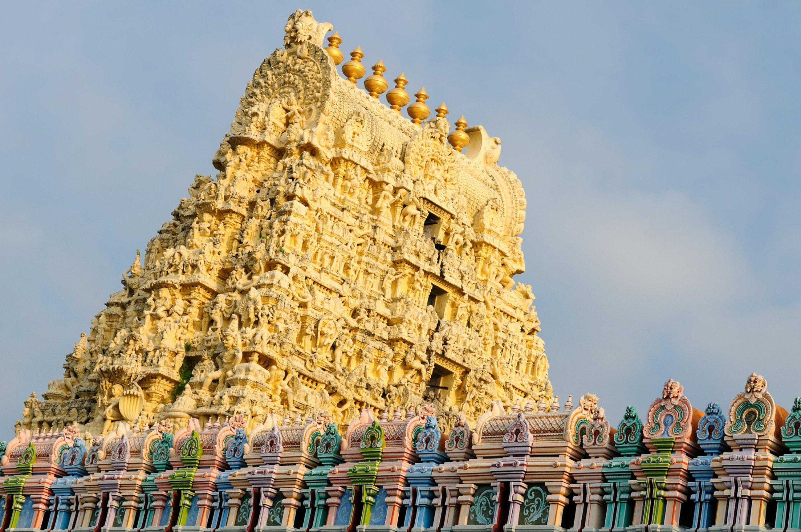 https://bubo.sk/uploads/galleries/7543/kanchipuram-shutterstock-165622151.jpg
