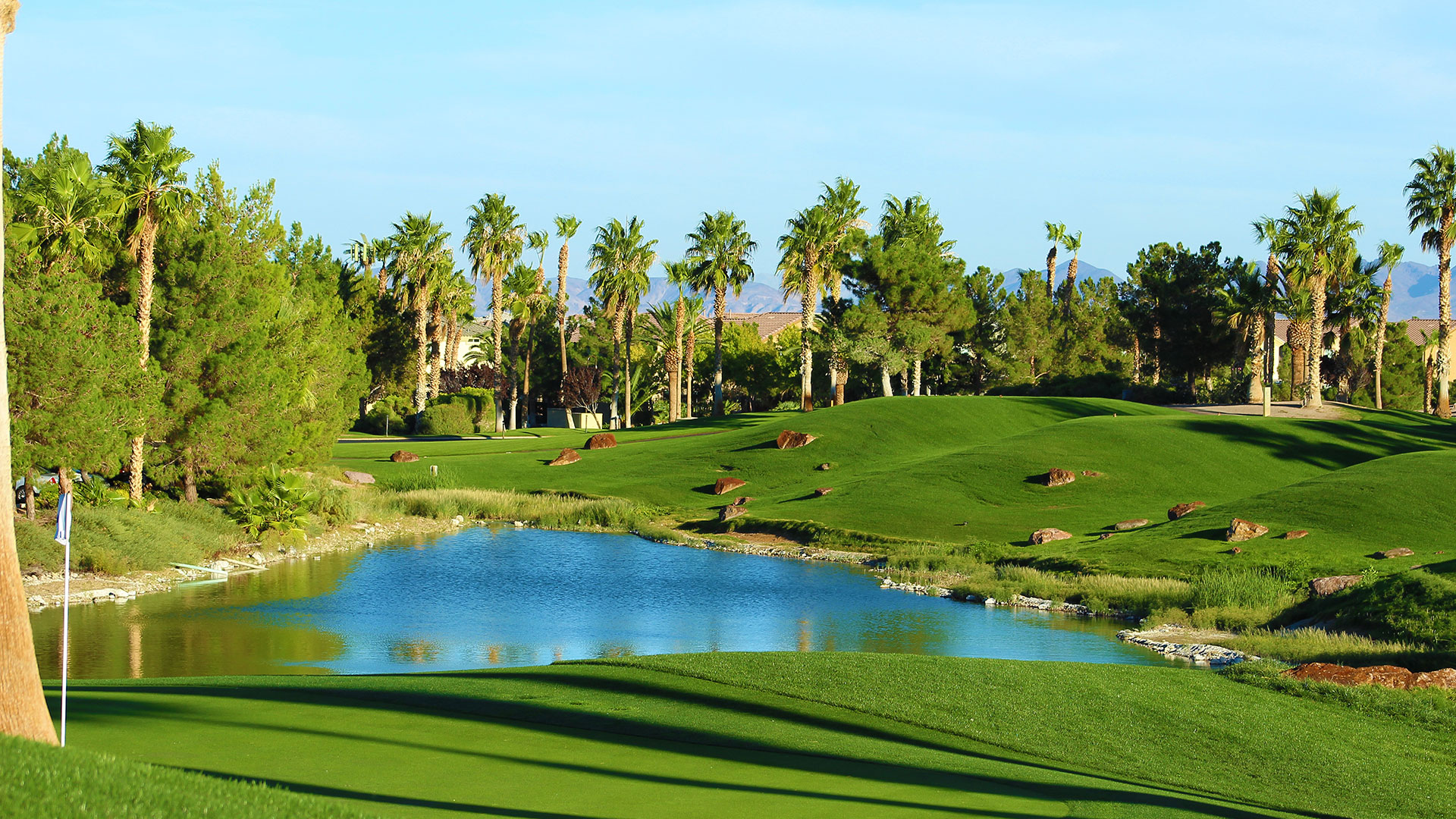 https://bubo.sk/uploads/galleries/8379/beautiful-las-vegas-golf-course.jpg