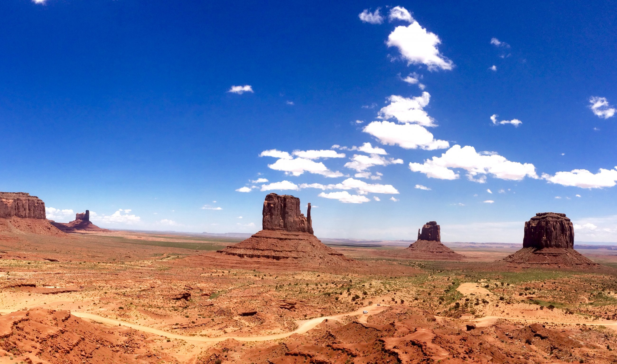 https://bubo.sk/uploads/galleries/8379/monument-valley3.jpg